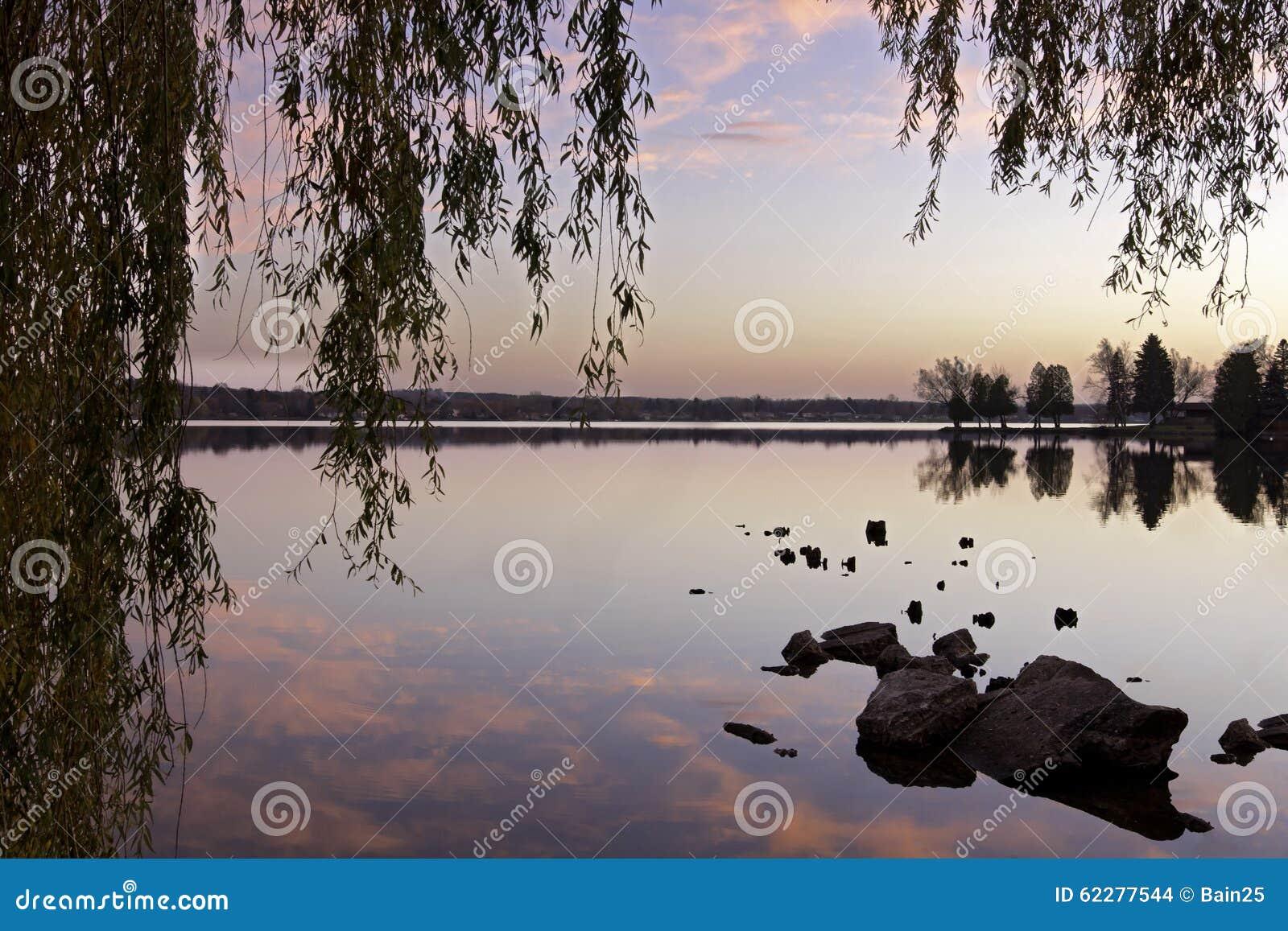 Jezioro z odbiciami