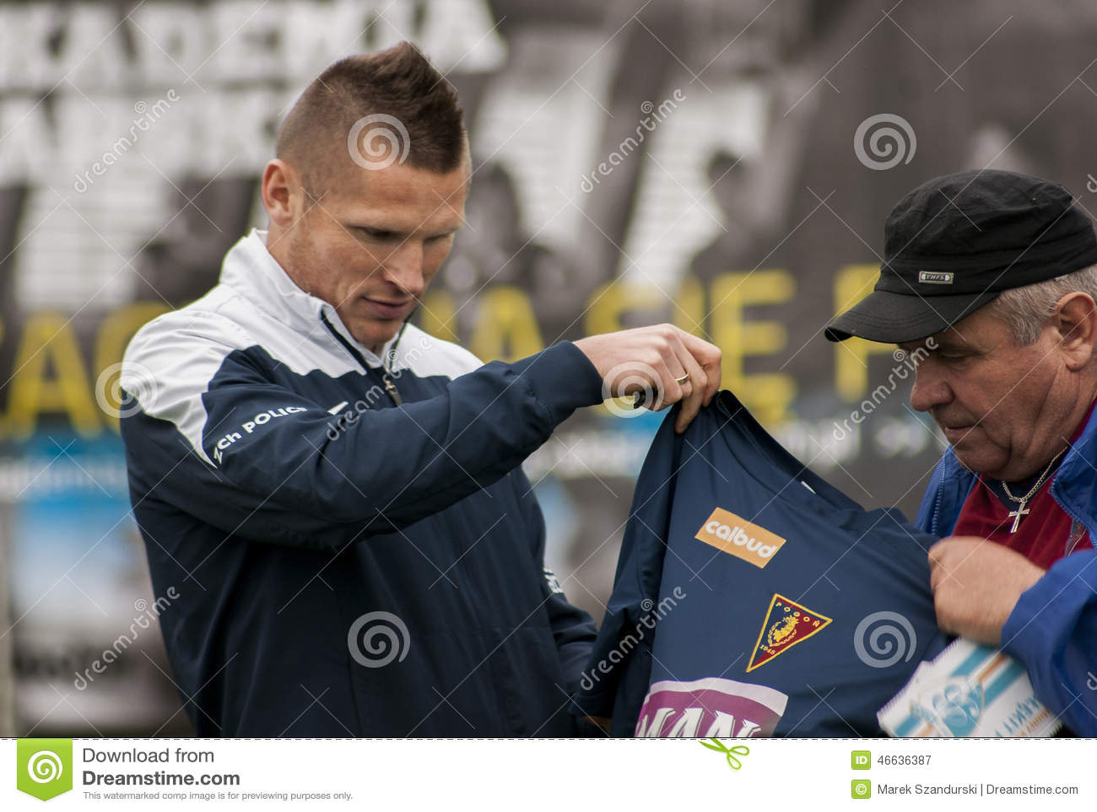 Jogador de futebol de Marcin Robak do Polônia de Pogon Szczecin