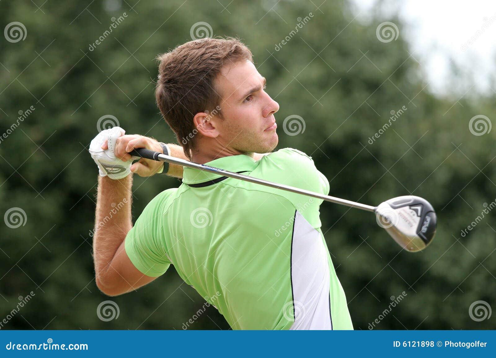 Jogador de golfe profissional Elastino Goya