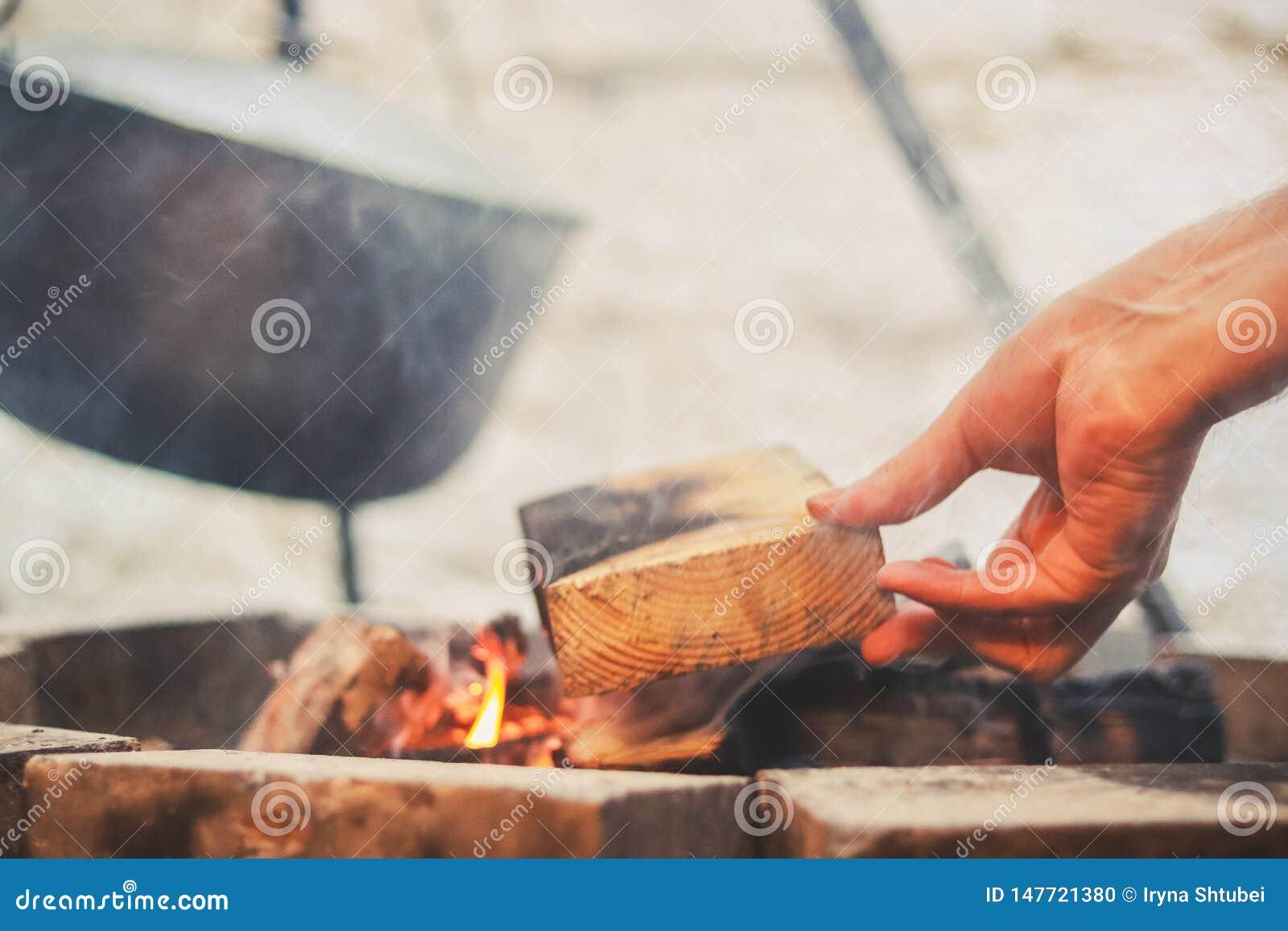 Jogador na fogueira