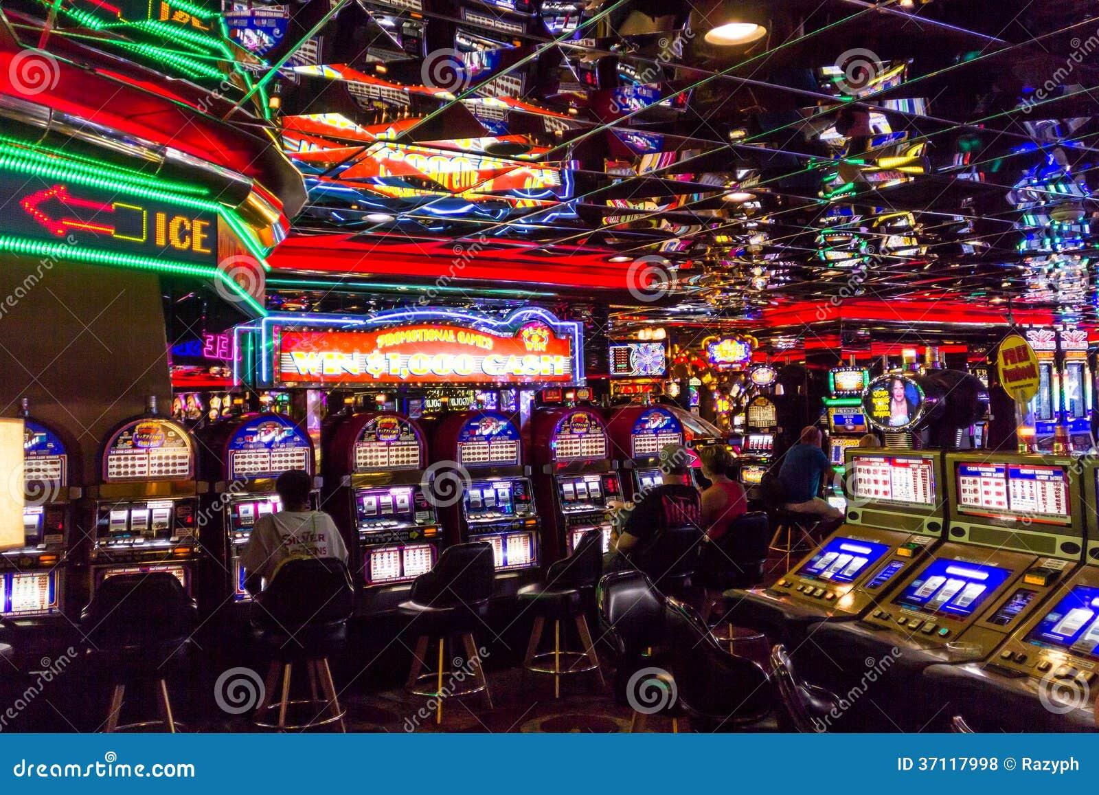 Casino royale hotel in vegas problemi con zynga poker su facebook
