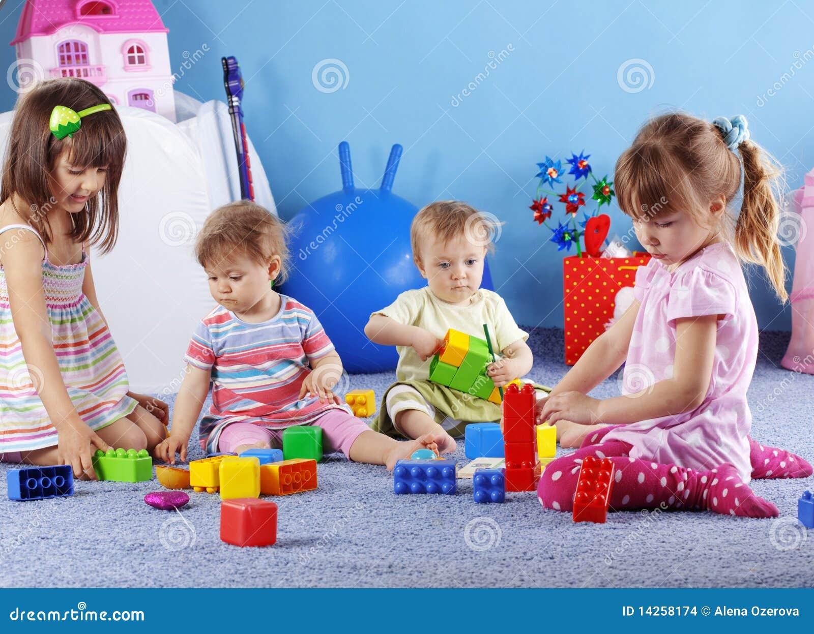 Jogando miúdos