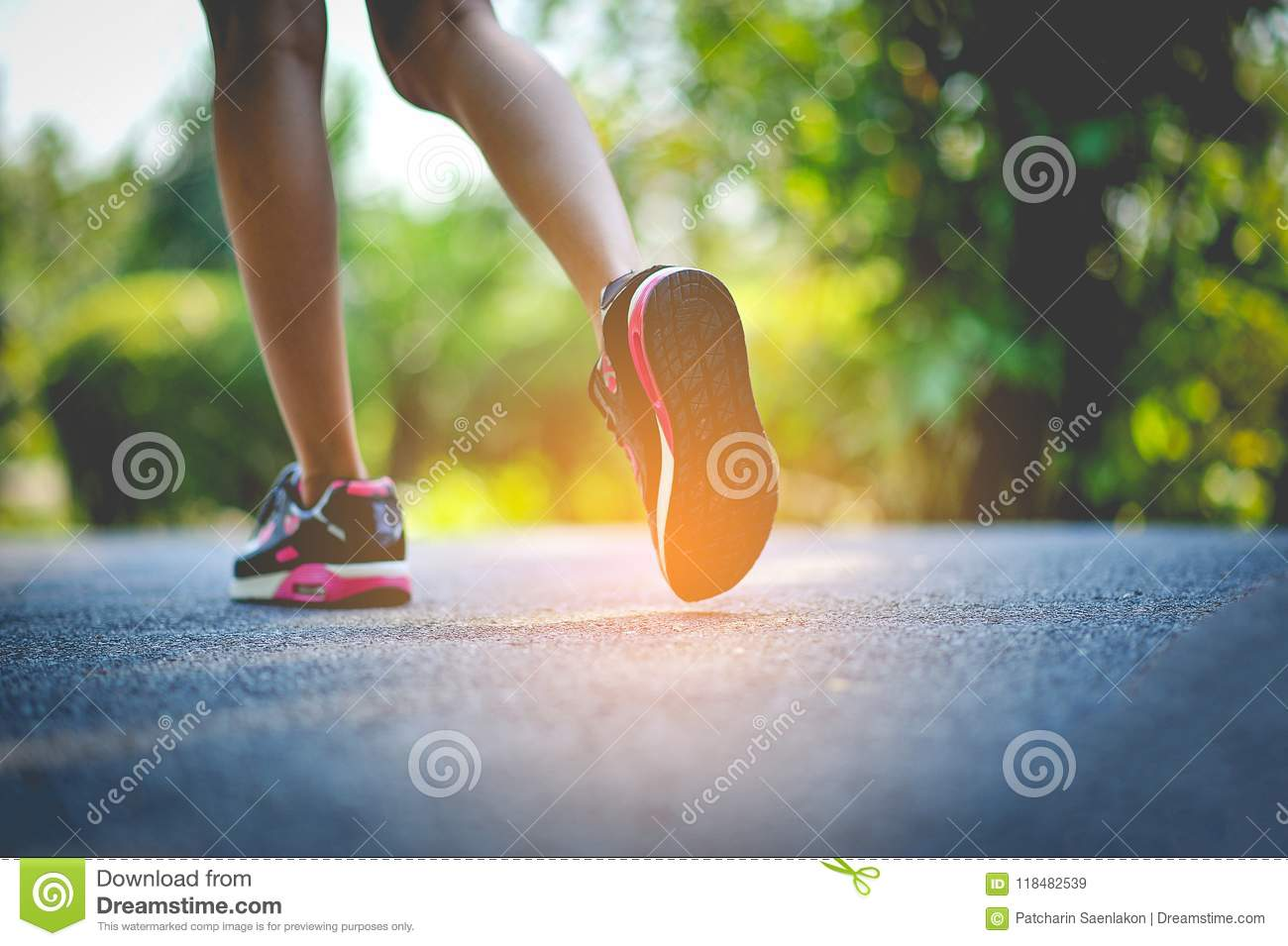Jogging with sports shoes on holiday For health and beauty. And fat reduction.
