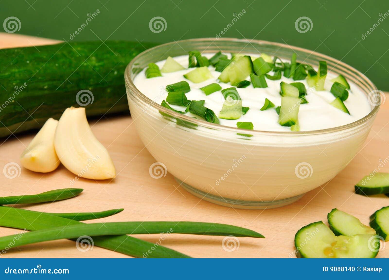 Joghurt mit Gurke