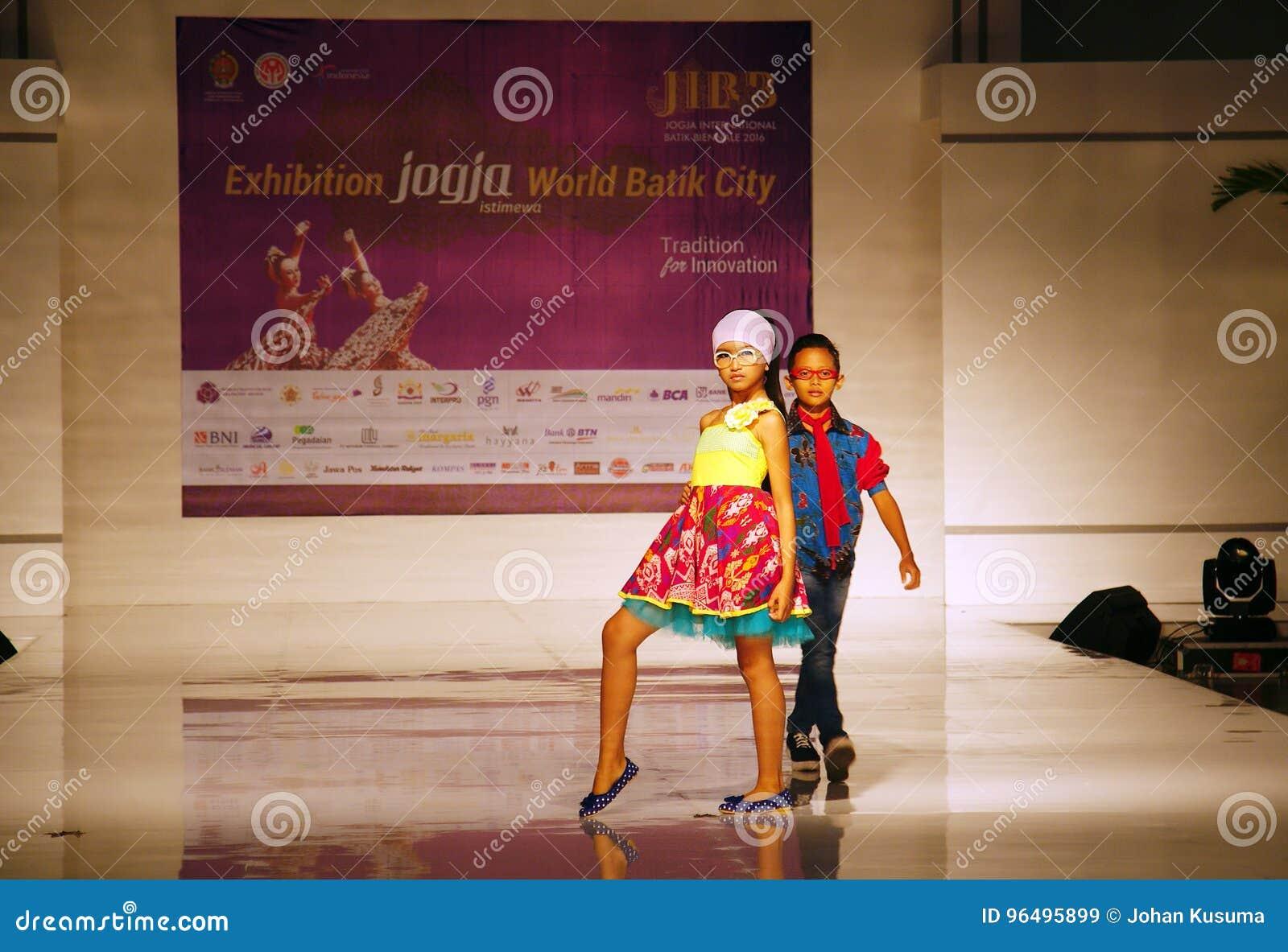 Jogja International Batik Biennale 2017 Batik Fashion Show