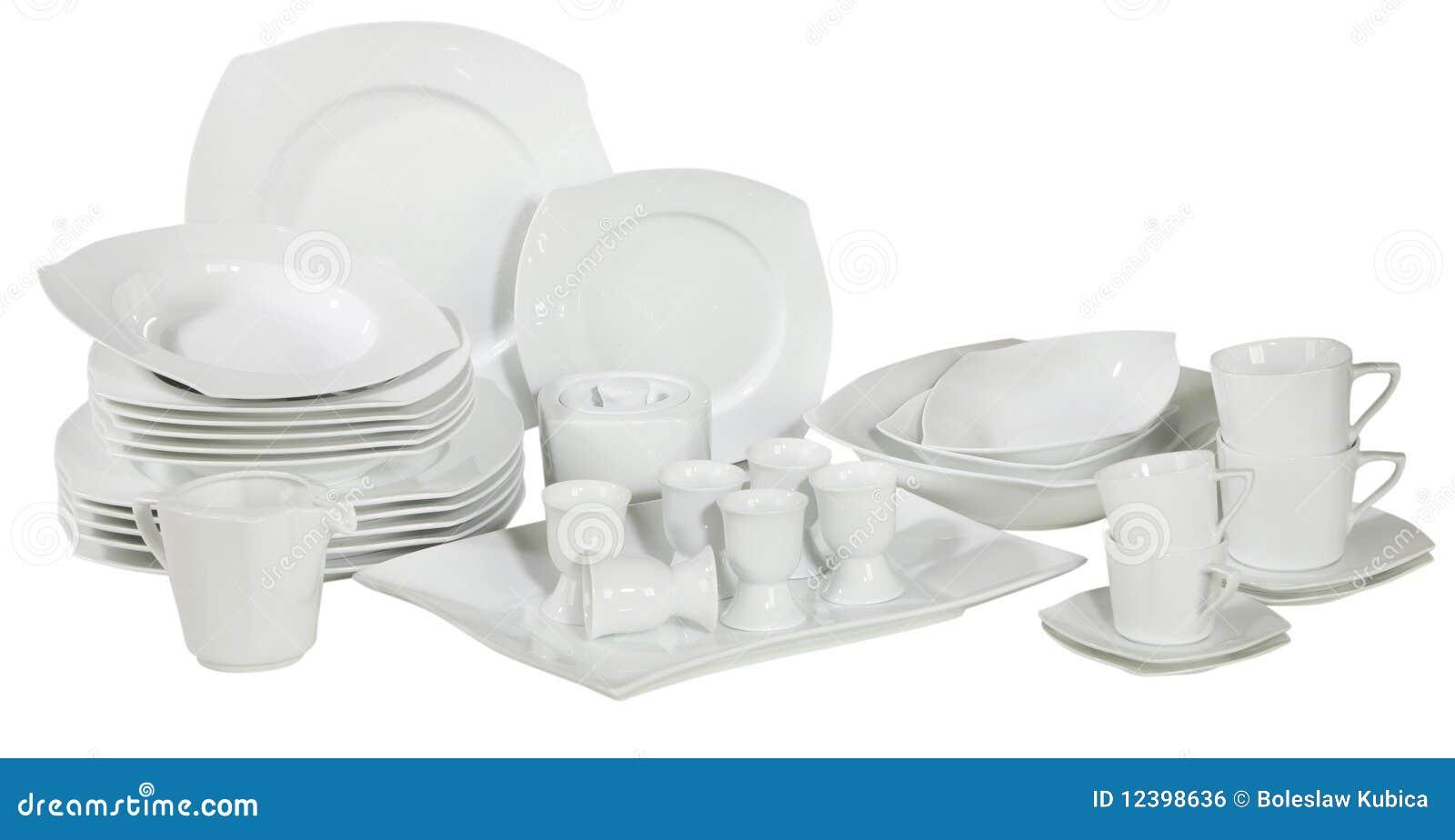 Jogo de placas e de pratos lavados frescos