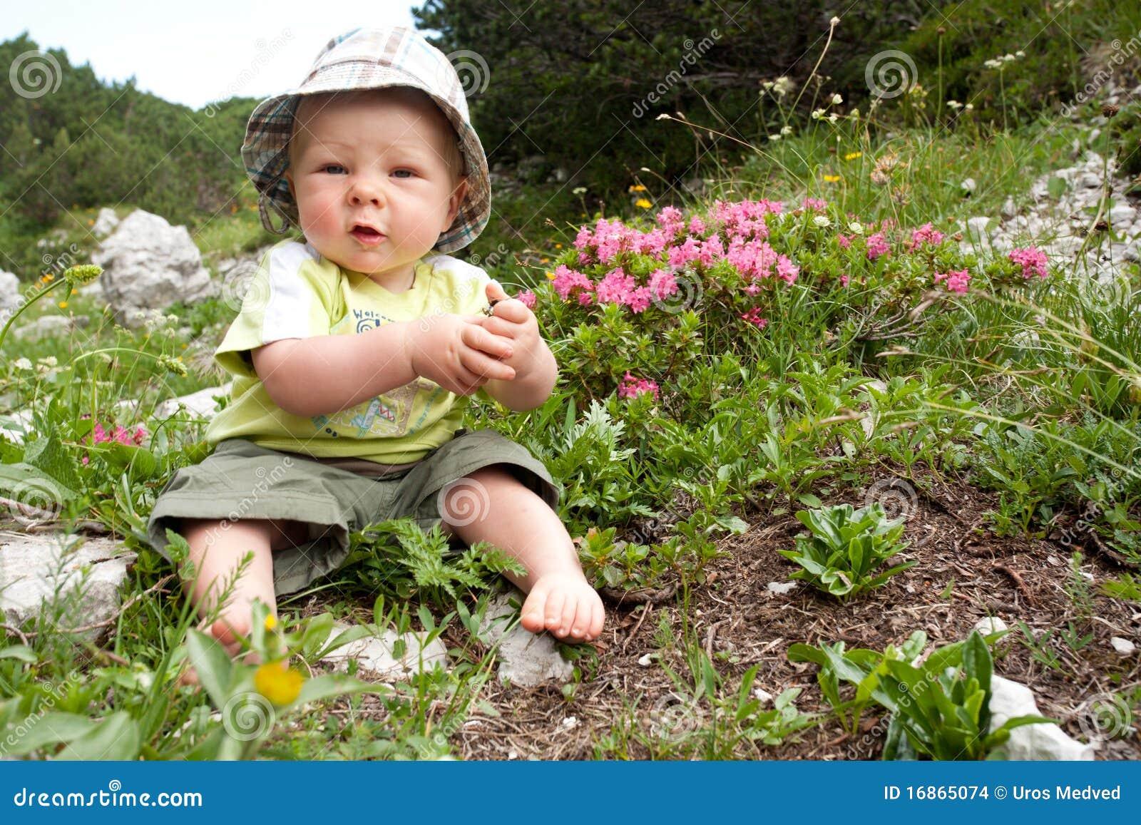 Jogo do bebé ao ar livre