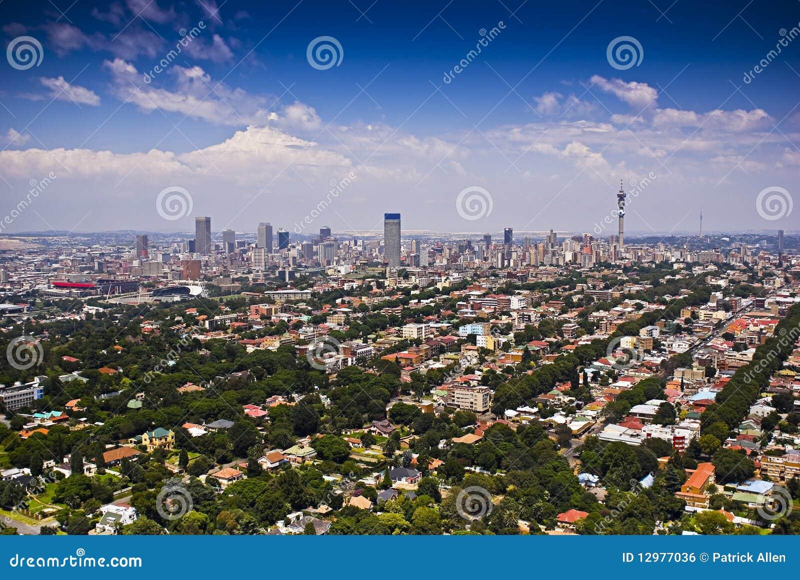 Johannesburg orientale con CBD nella priorità bassa