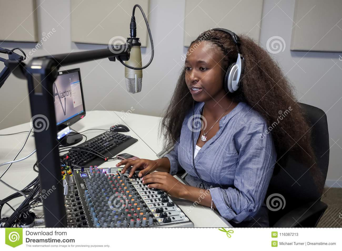 Download Diverse Students On College Campus Radio Station Editorial Stock Photo - Image of learning, mixed: 116387213