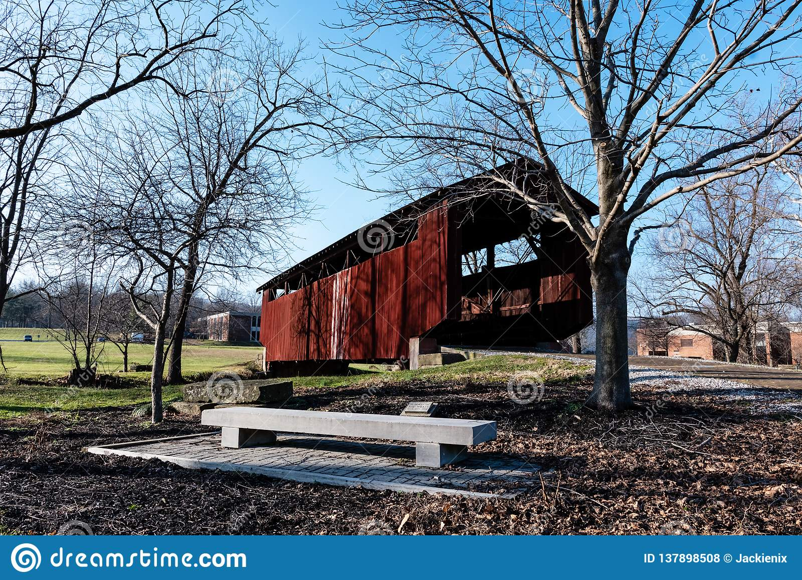 John Bright No Pont 2 couvert chez l Ohio Univ lancaster