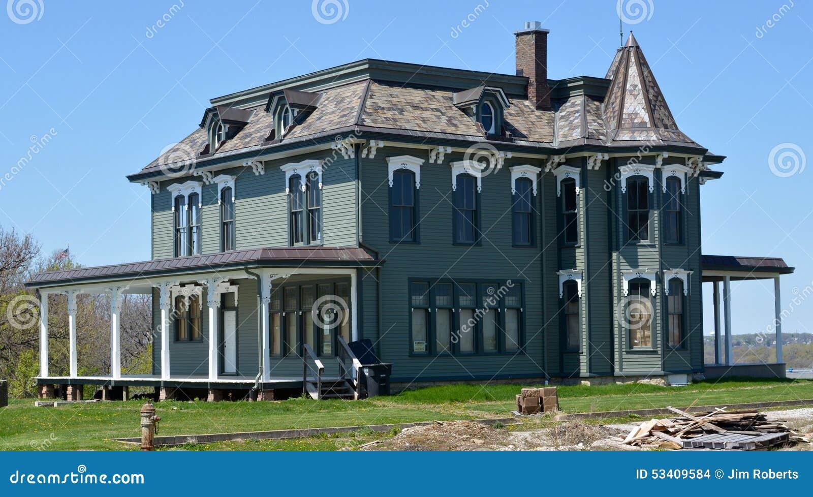 John Deere dom