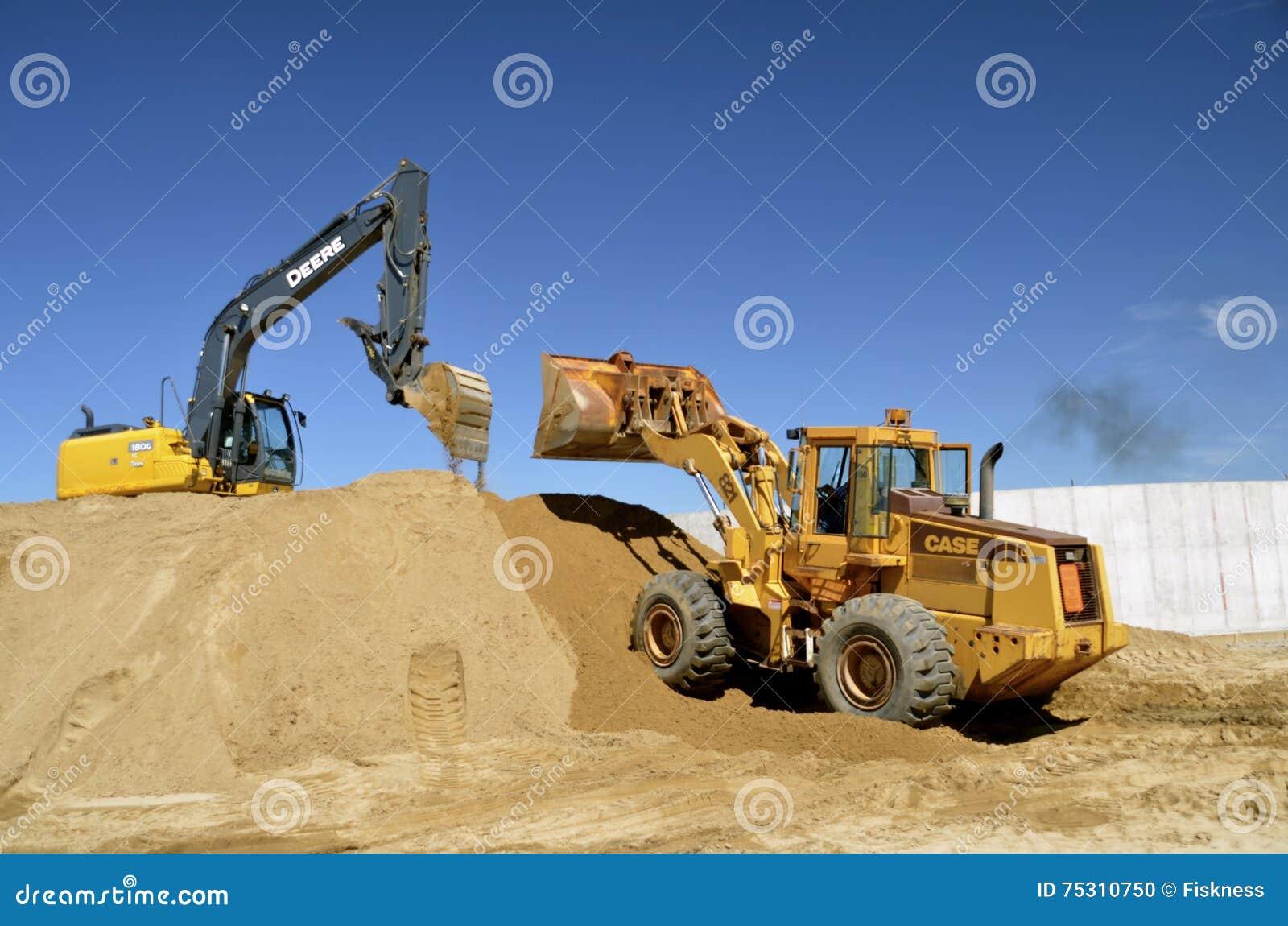 John Deere Heavy Equipment