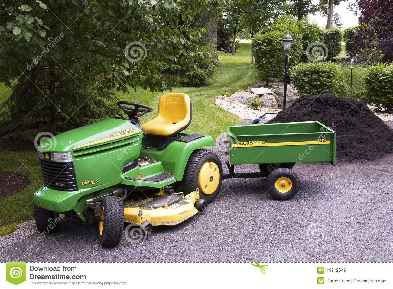 John Deere Lawn Tractor Wagon : John deere with wagon editorial stock image of
