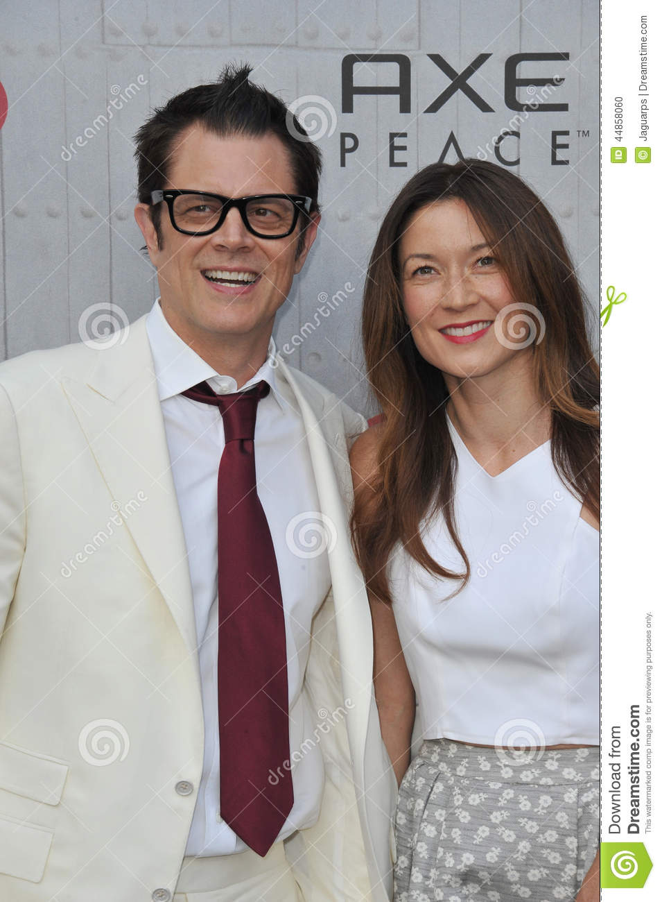 Johnny Knoxville y Naomi Nelson