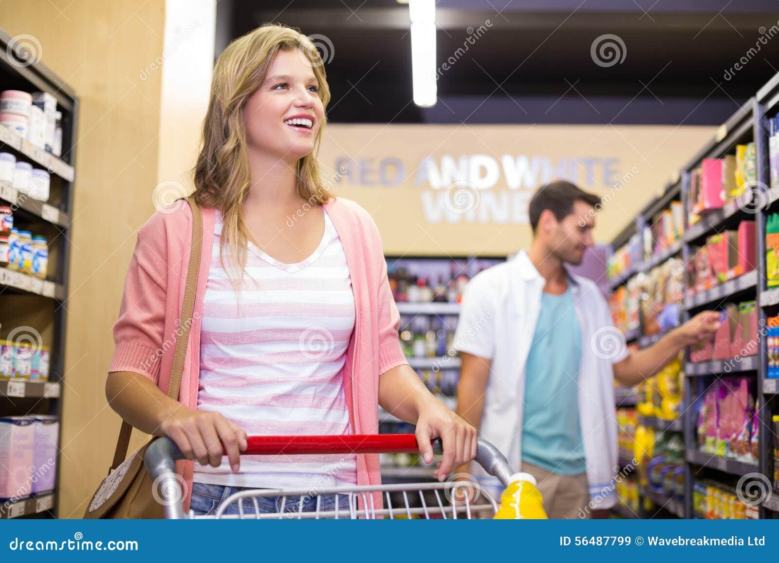 Joli achat de sourire de femme produits