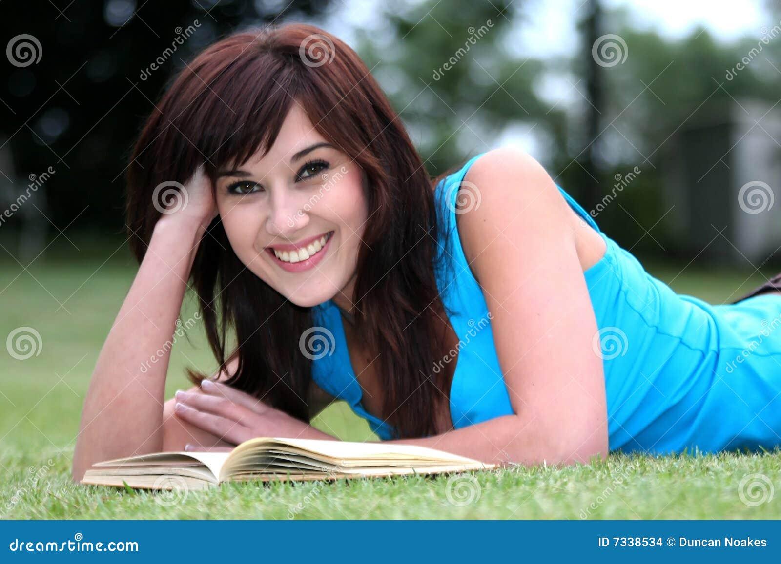 Joli lecteur de livre