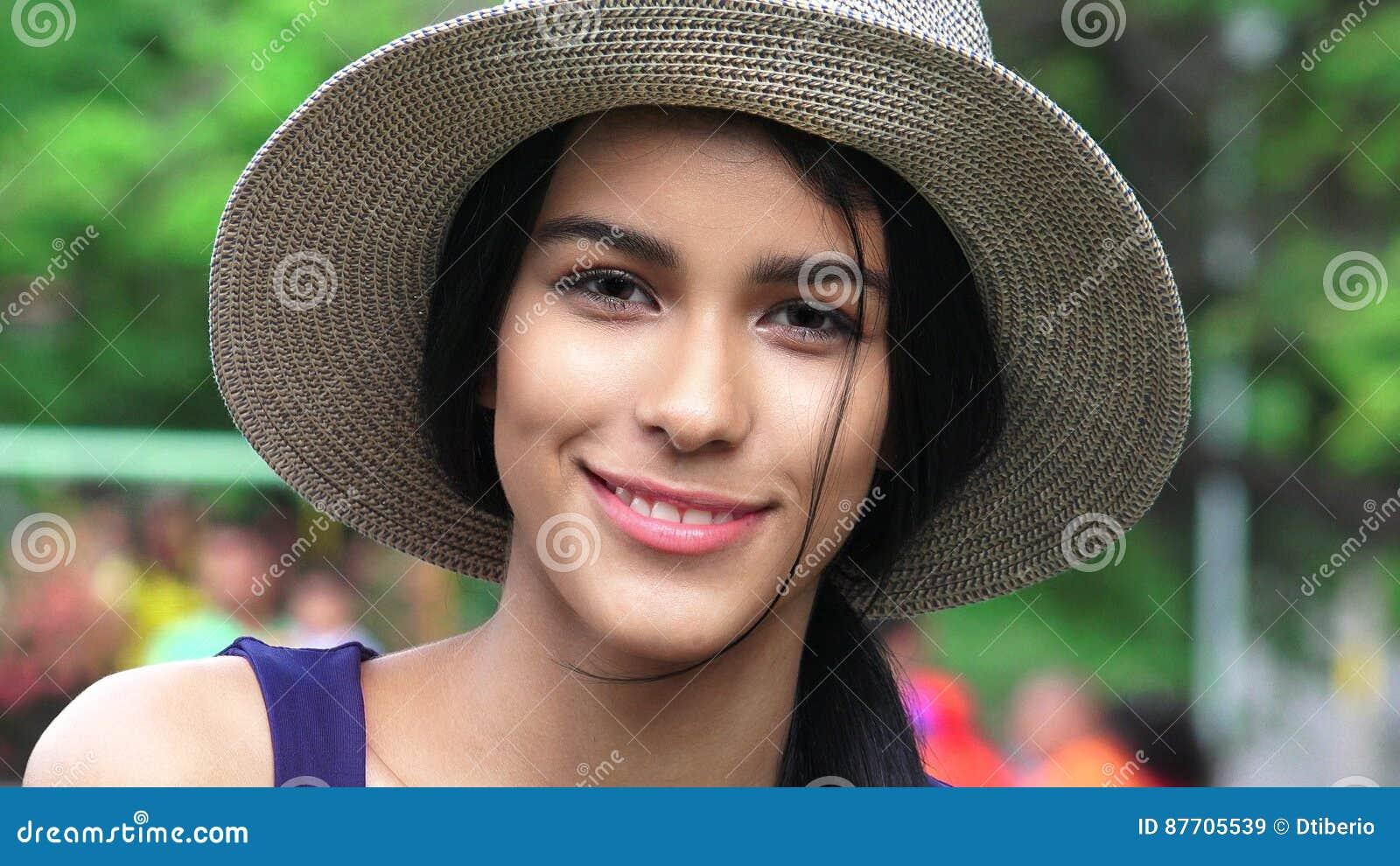 Jolie femelle de l adolescence hispanique