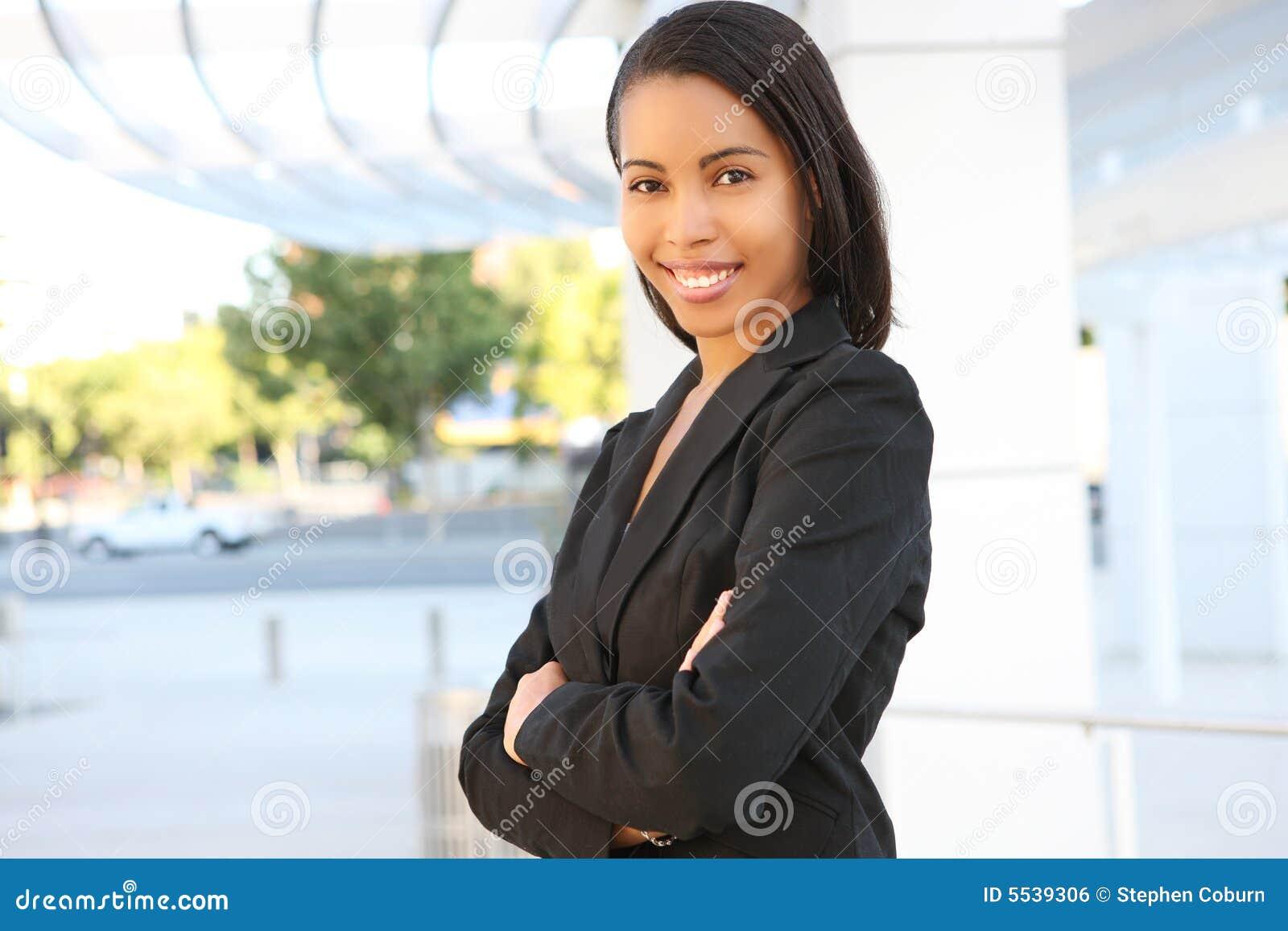Jolie femme d affaires d Afro-américain