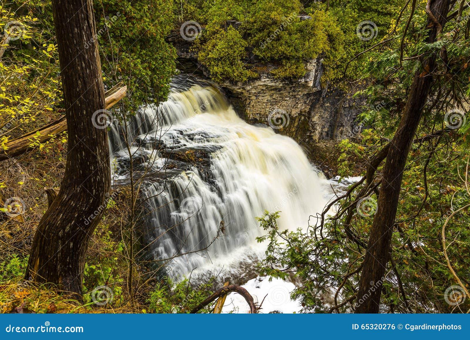 Jones Falls cênico de Owen Sound