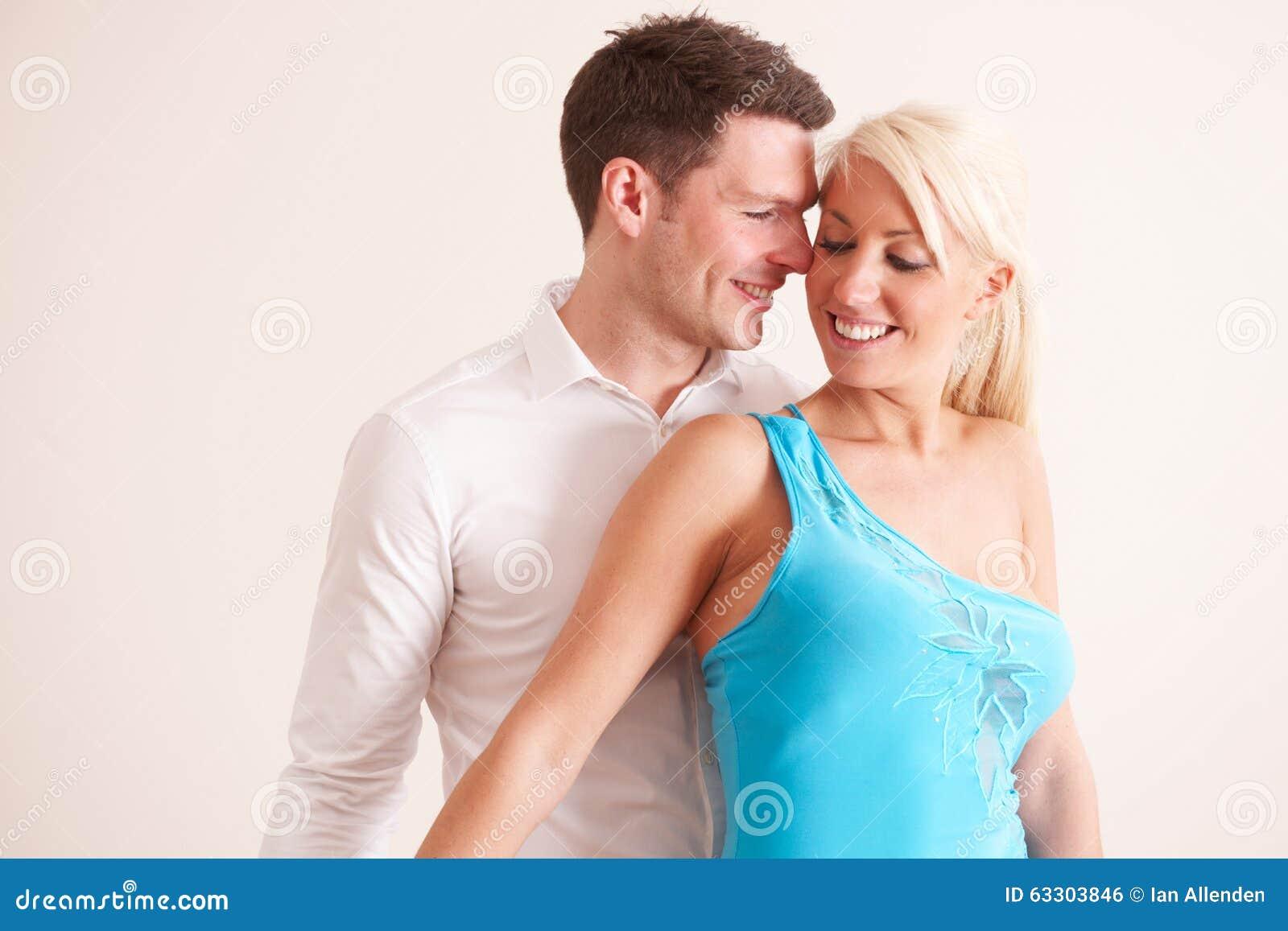 Jong Paar die samen dansen