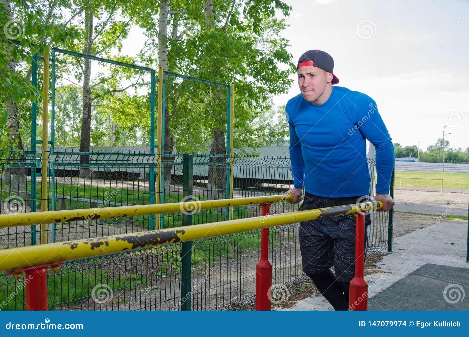 Jonge atleet tijdens zijn training