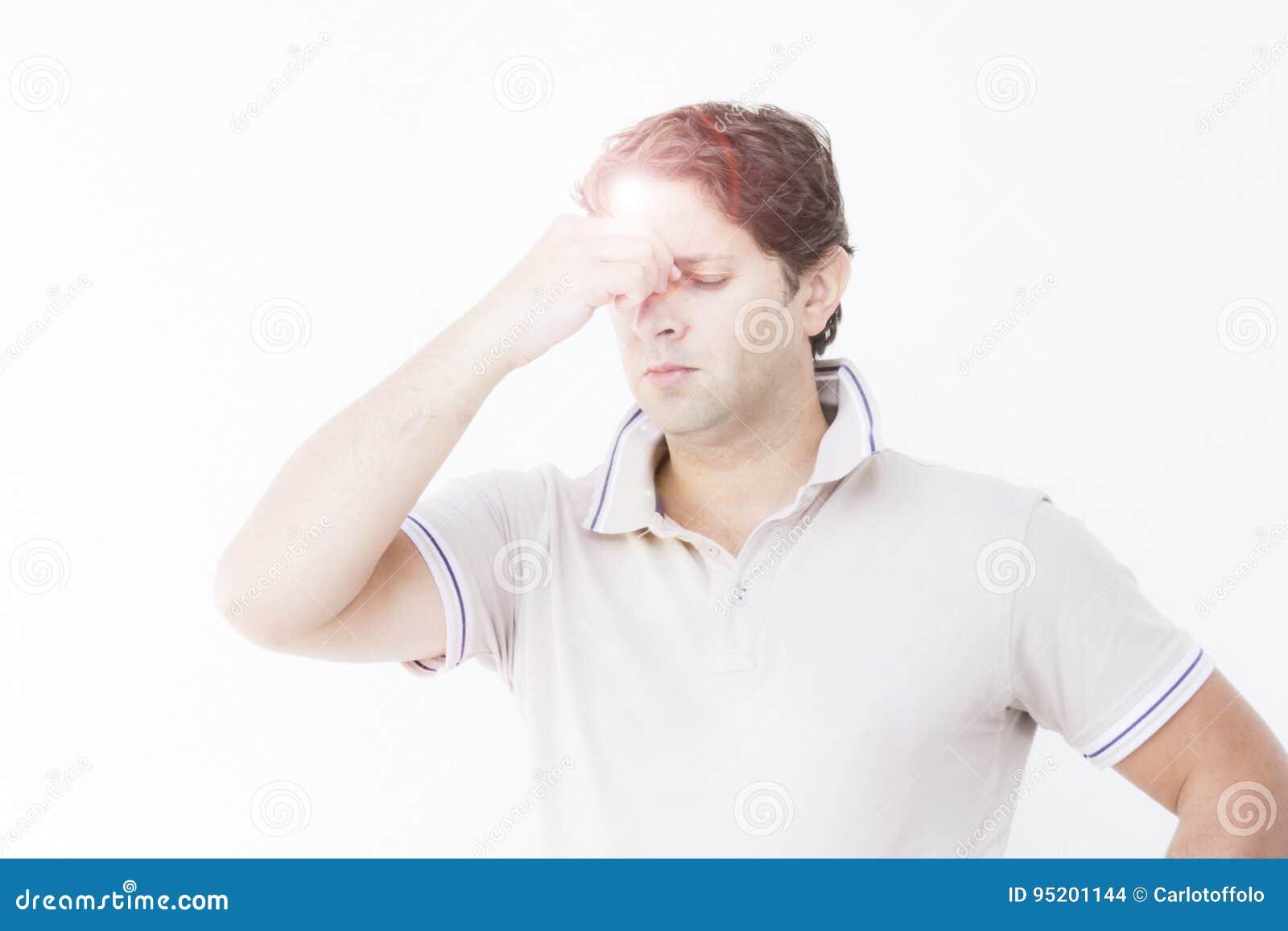 hoofdpijn tussen de ogen