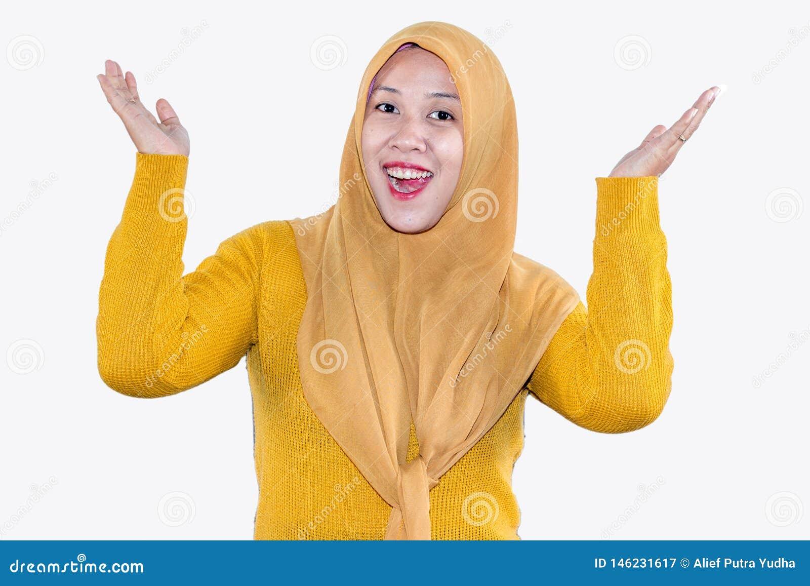 Jonge mooie het glimlachen Aziatische vrouwen uitdrukkelijke verrast en opgewekt