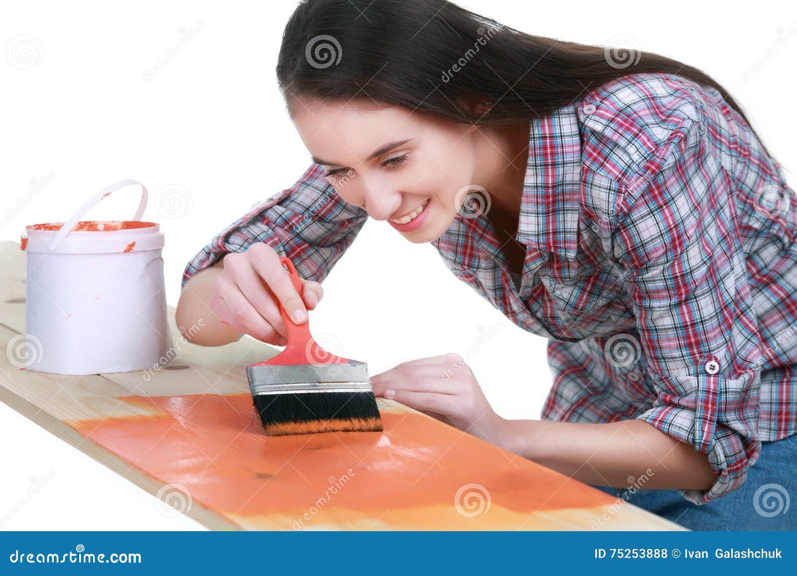 Foto Overhemd En Vrouw Het Schilderen Jonge Speelse Jeans Stock In Ygbf6y7