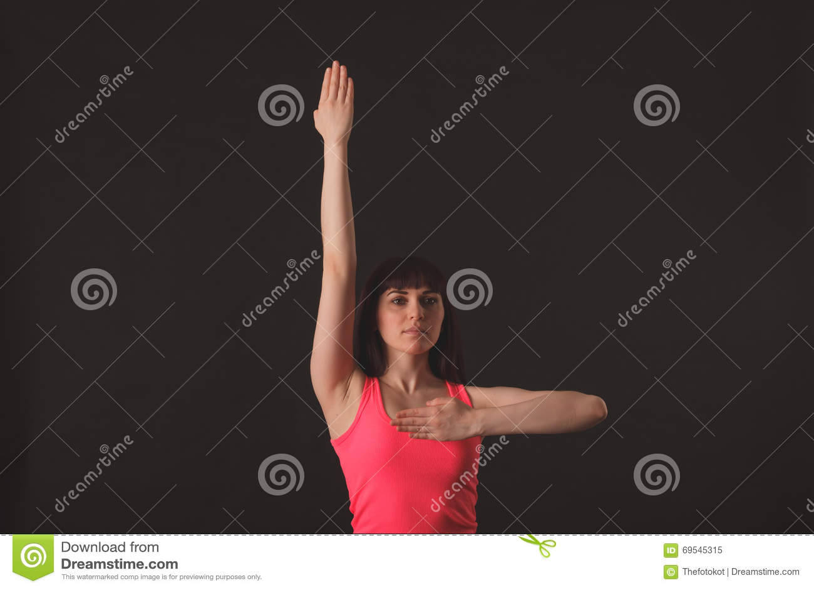 Jonge vrouwelijke het dansen jazz