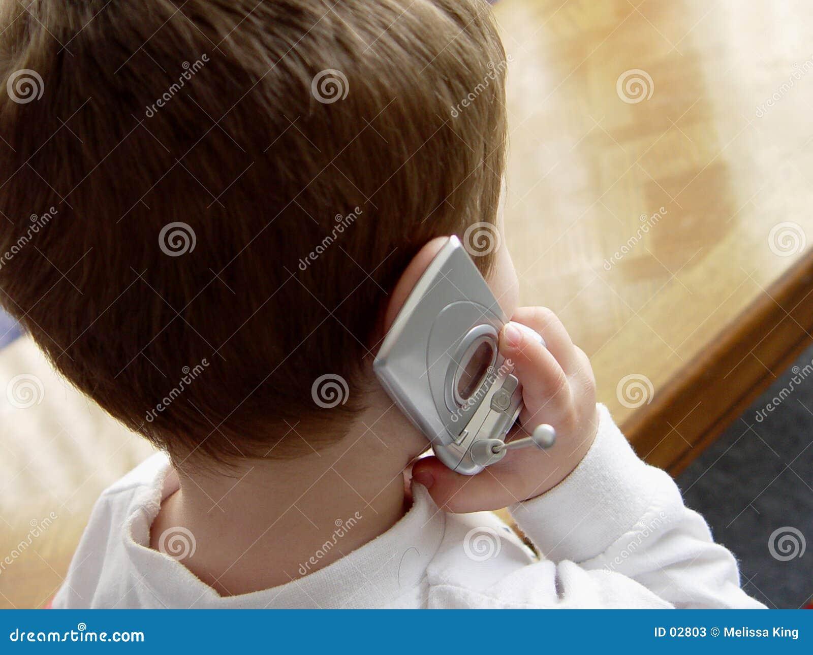 Jongen met de Telefoon van de Cel