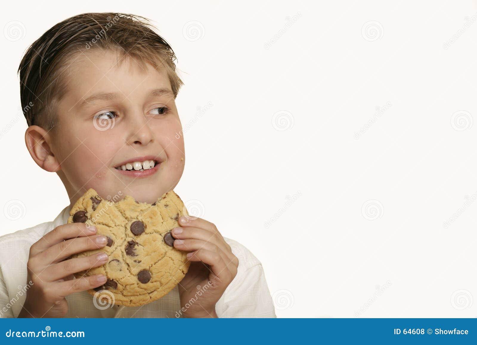 Jongen met koekje