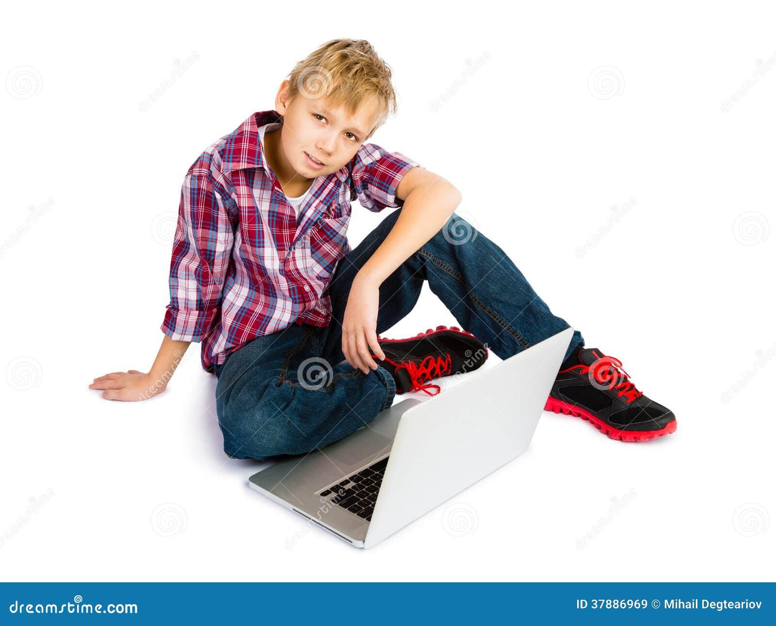 Jongen met Laptop Computer