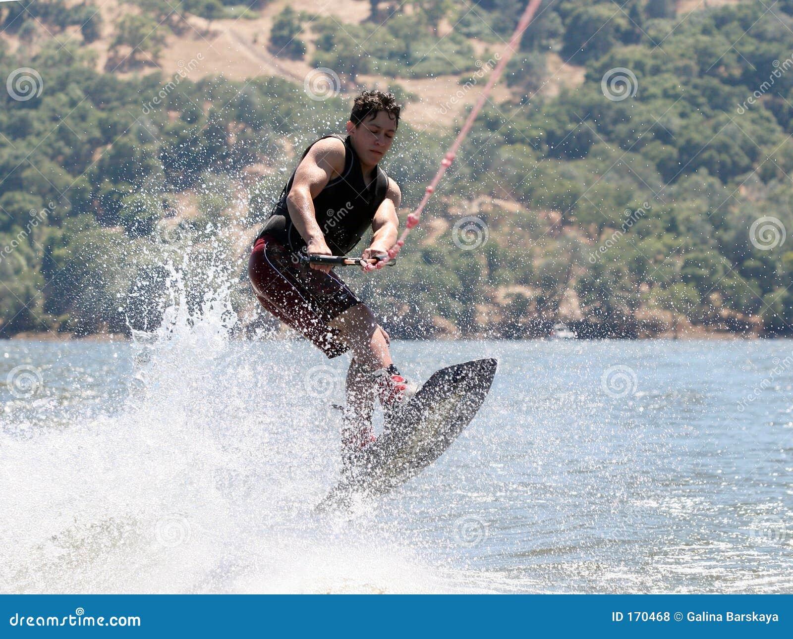 Jongen Wakeboarding