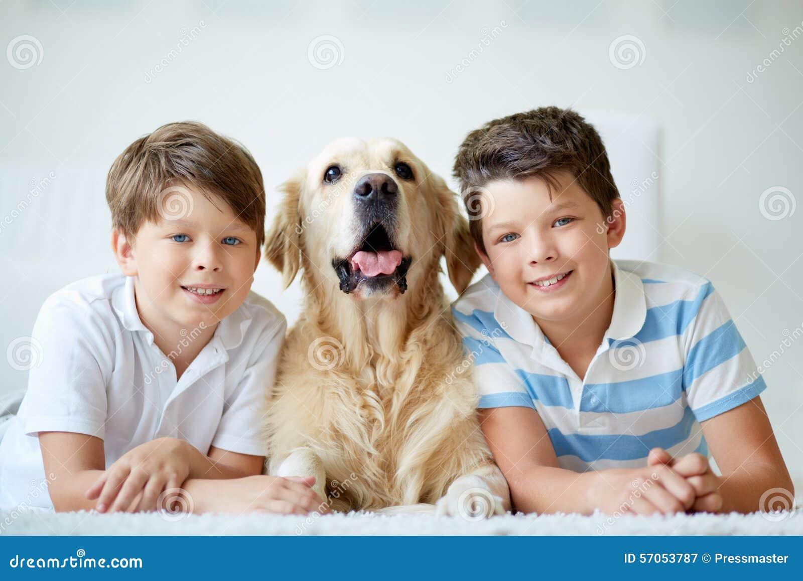 Jongens met hond
