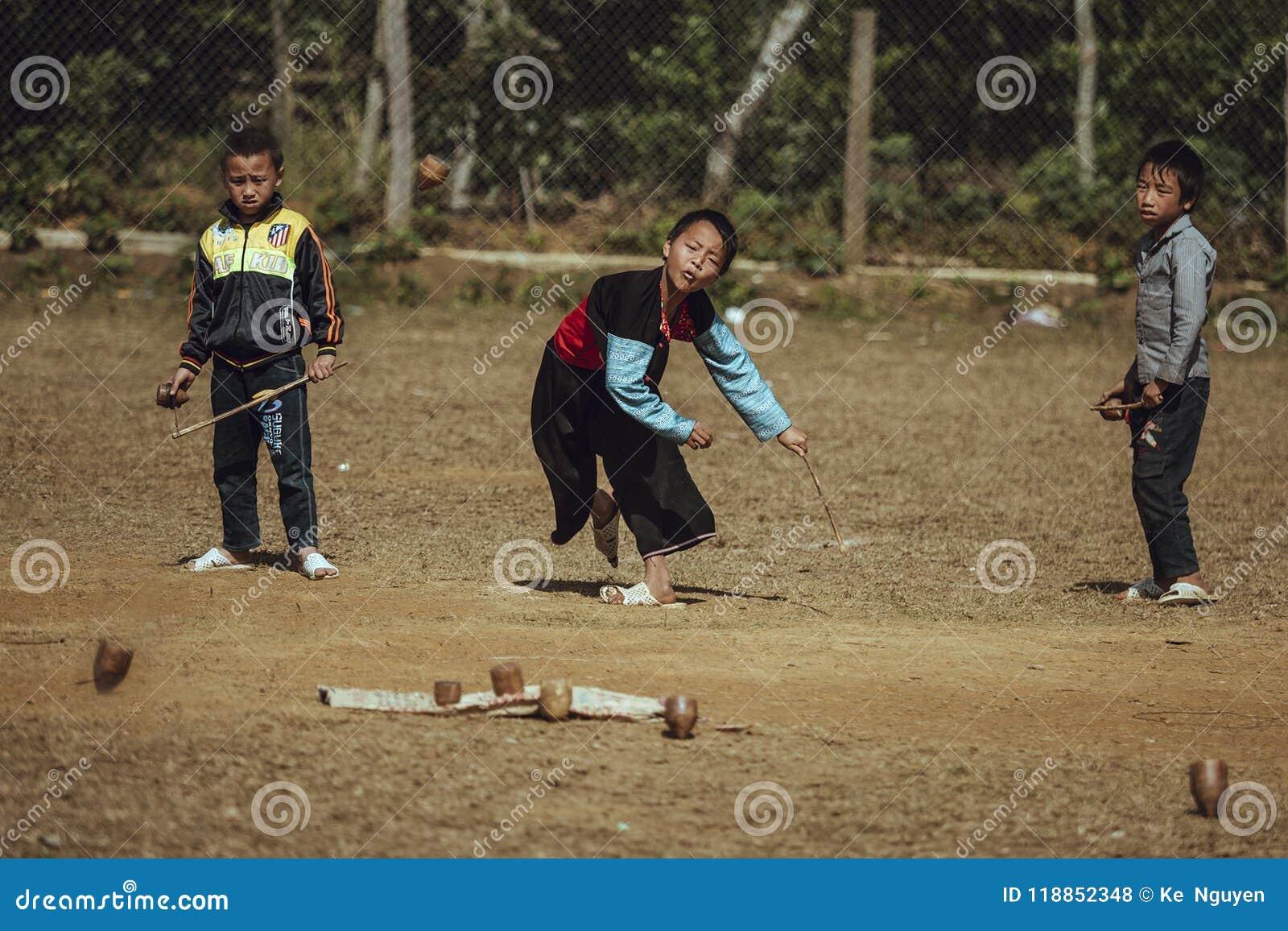 Jongens van de etnische Groep Hmong van Vietnam