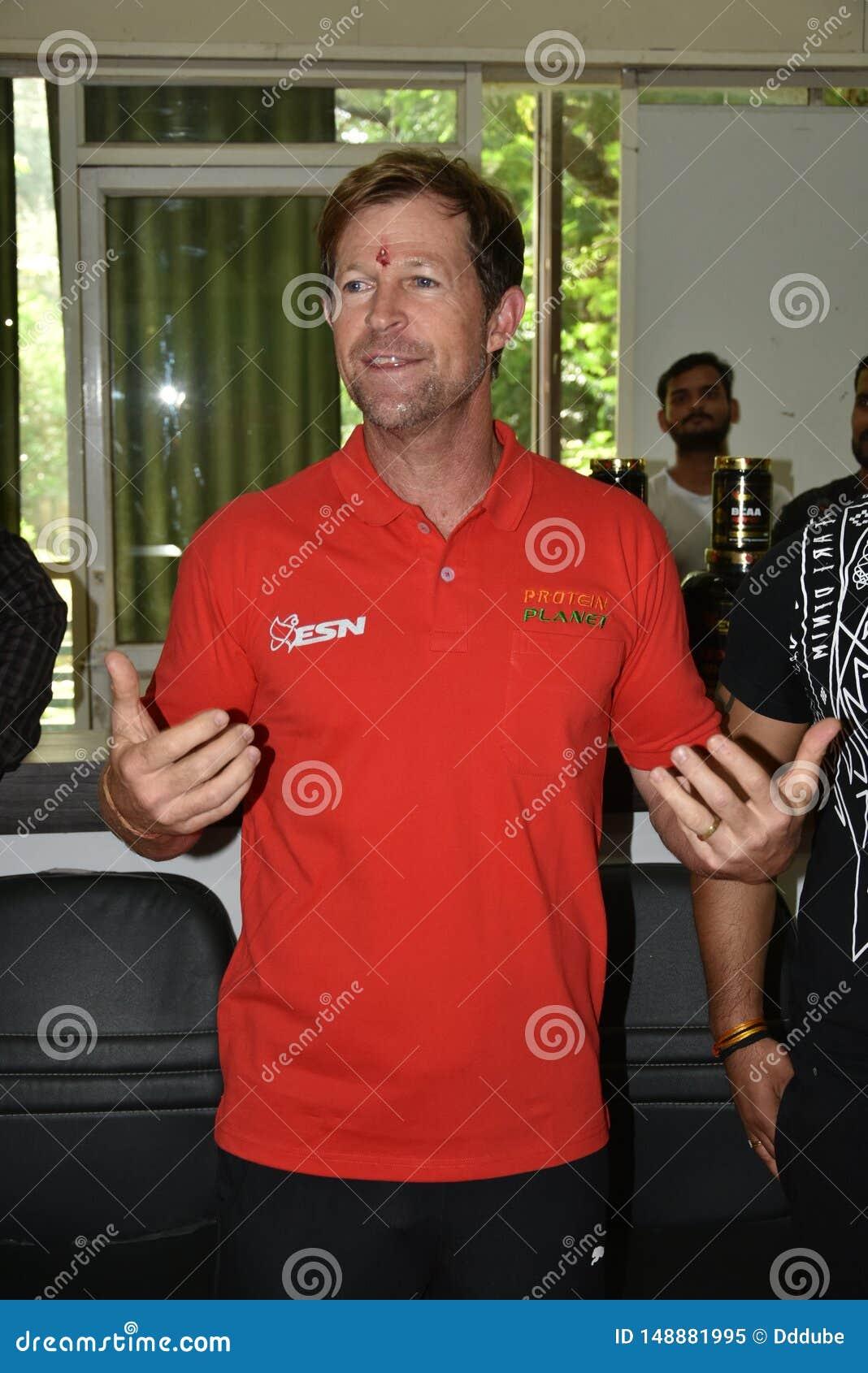 Jonty rhodes bes?k i Bhopal, Indien