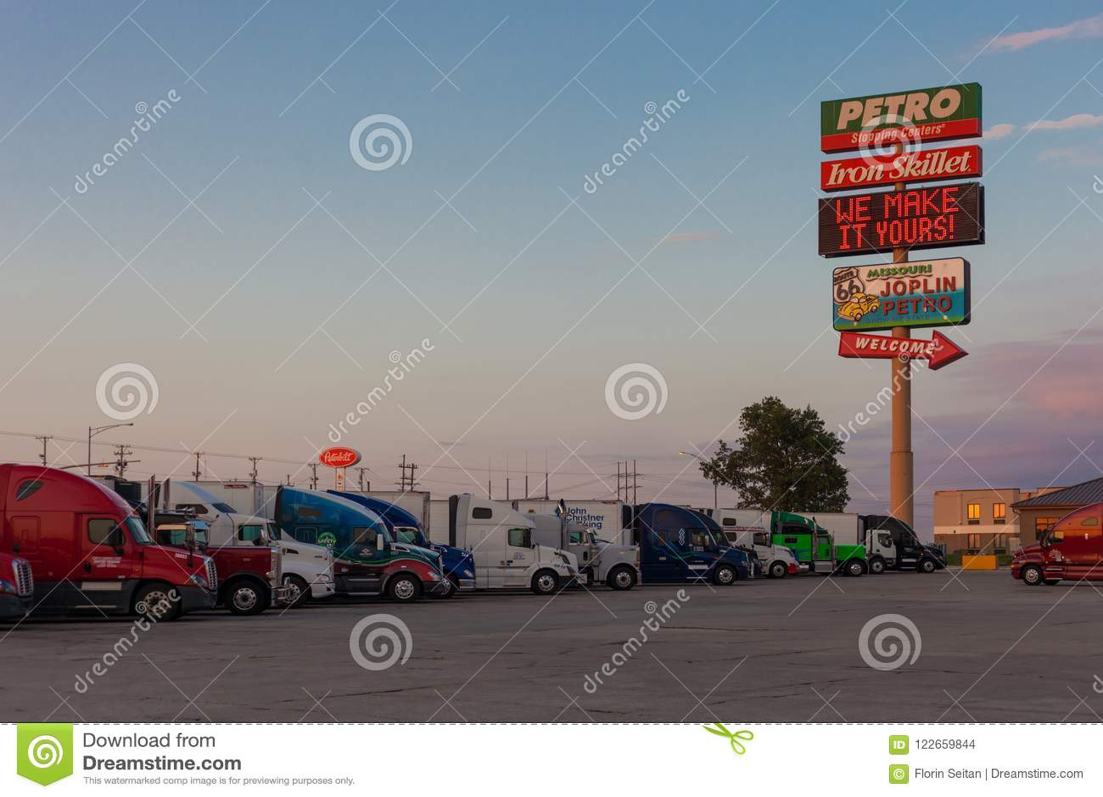 Petro Joplin Mo >> Joplin Missouri July 8 2018 Joplin 44 Petro Truckstop
