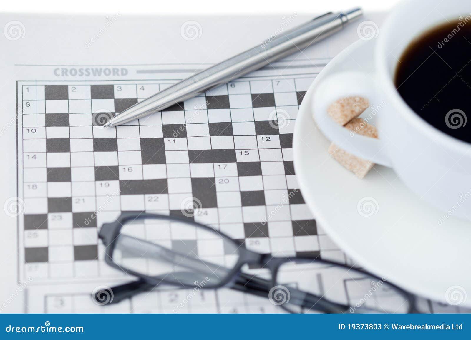 Jornais e enigma de palavras cruzadas