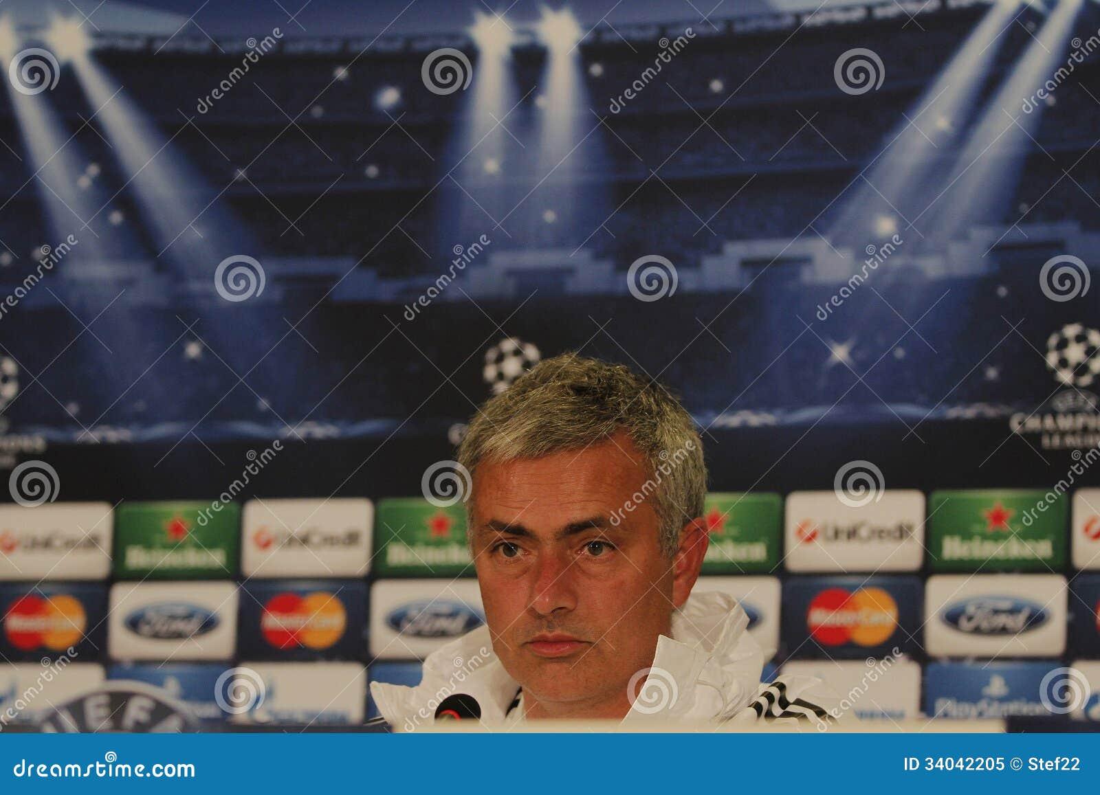 Jose Mourinho Di Chelsea - Conferenza Stampa Immagine ...