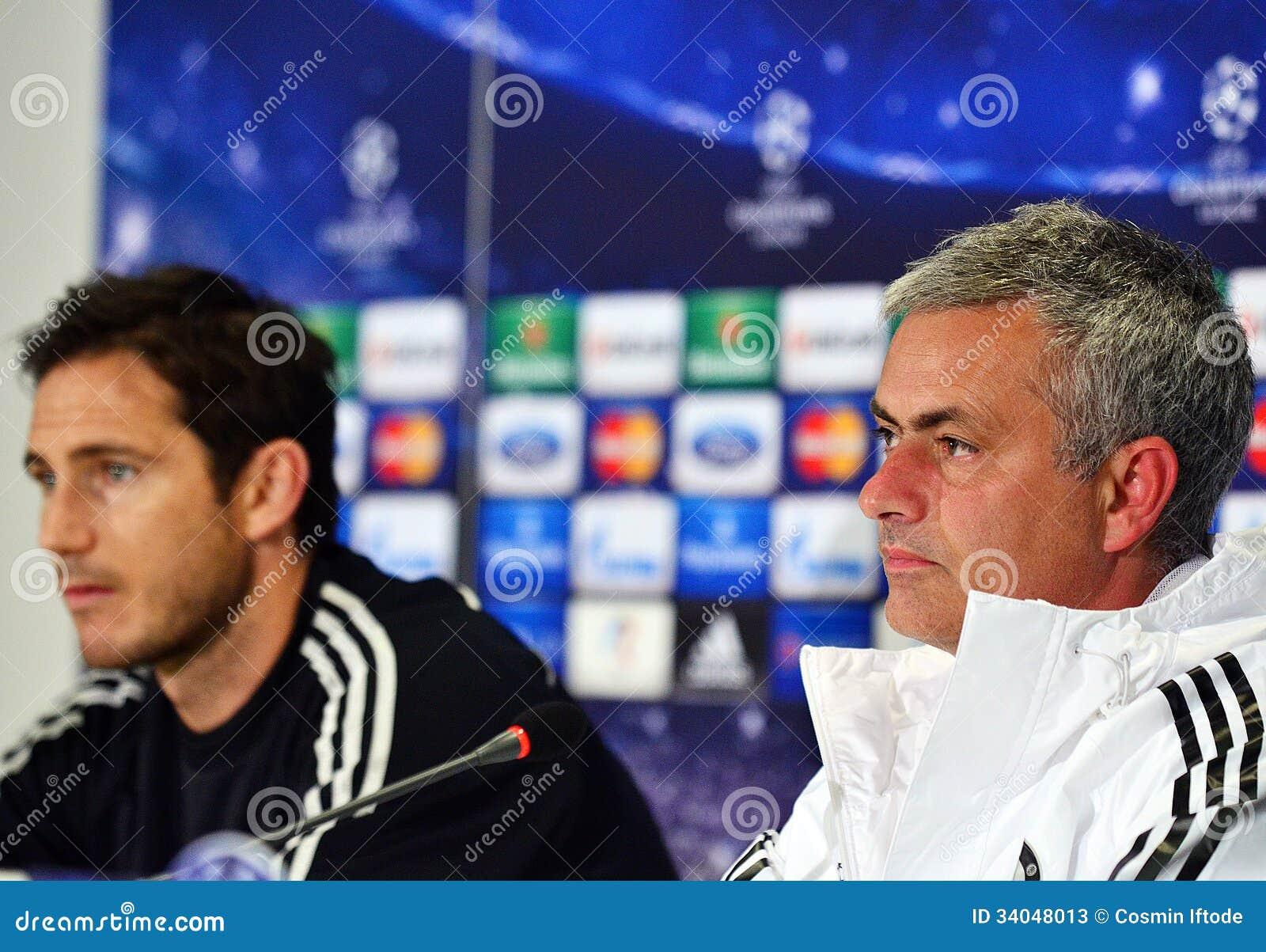 Jose Mourinho E Frank Lampard Durante La Conferenza Stampa ...