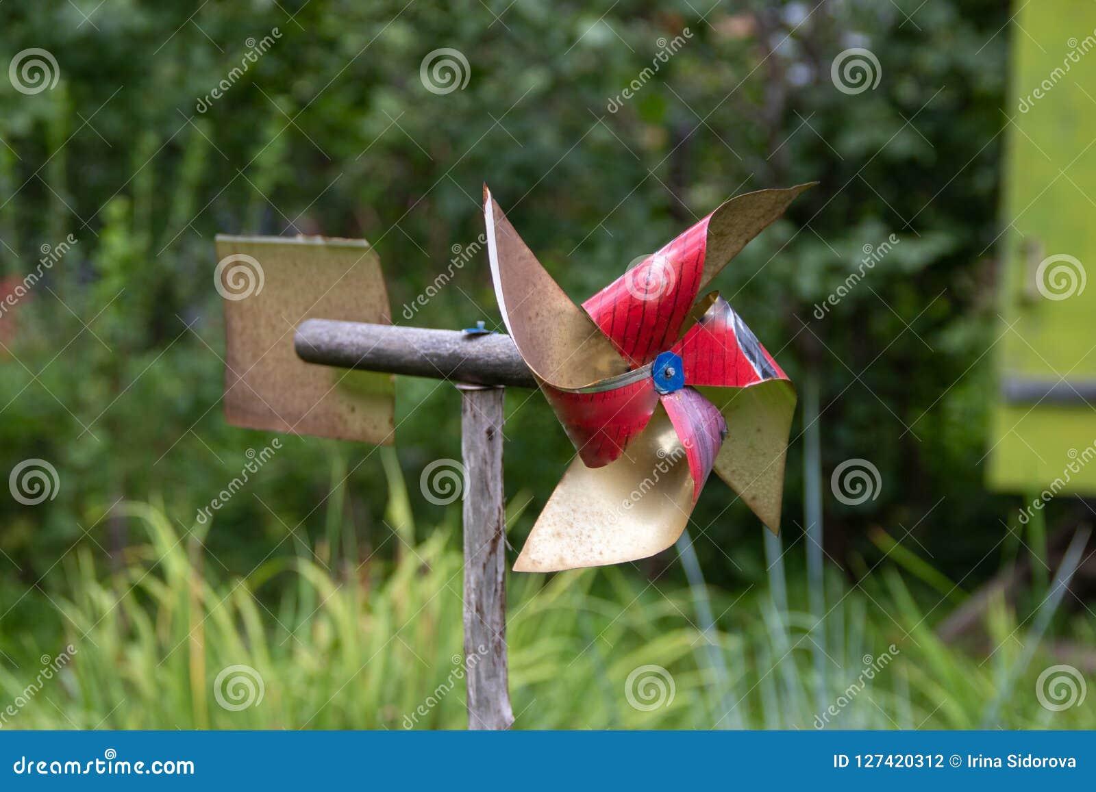 Jouet de palette pour le jardin protecteur des oiseaux