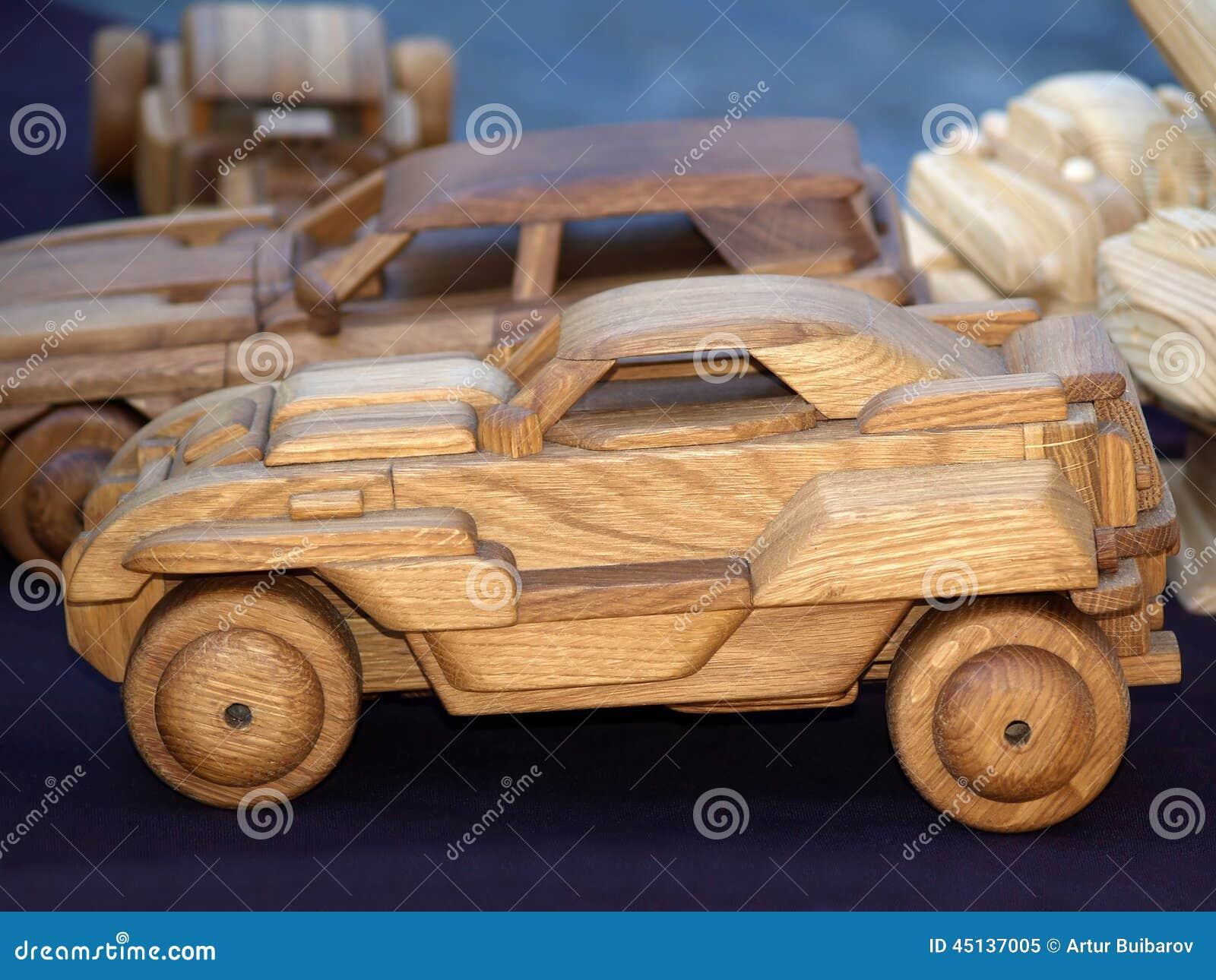 jouet en bois fait main de voiture photo stock image 45137005. Black Bedroom Furniture Sets. Home Design Ideas