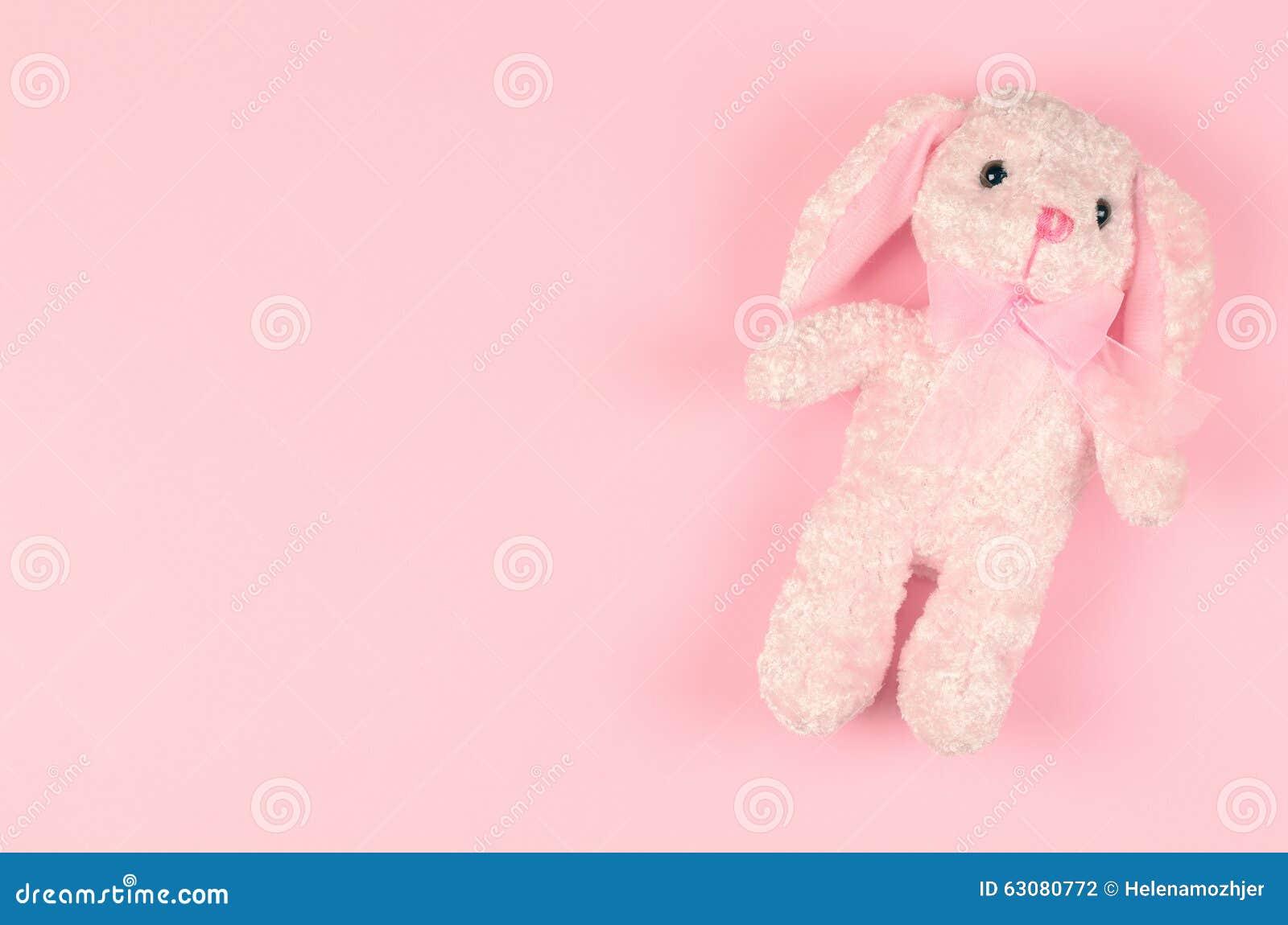 Download Jouet Mou De Fille Sur Un Fond Doux Rose Photo stock - Image du jour, abstrait: 63080772
