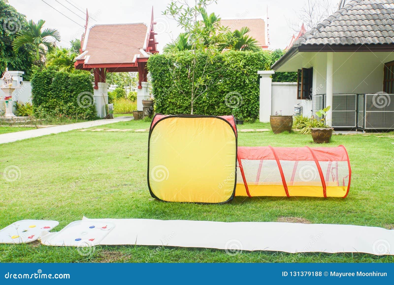 Maison Pour Enfant Exterieur jouet net en plastique d'enfant de tube au terrain de jeu