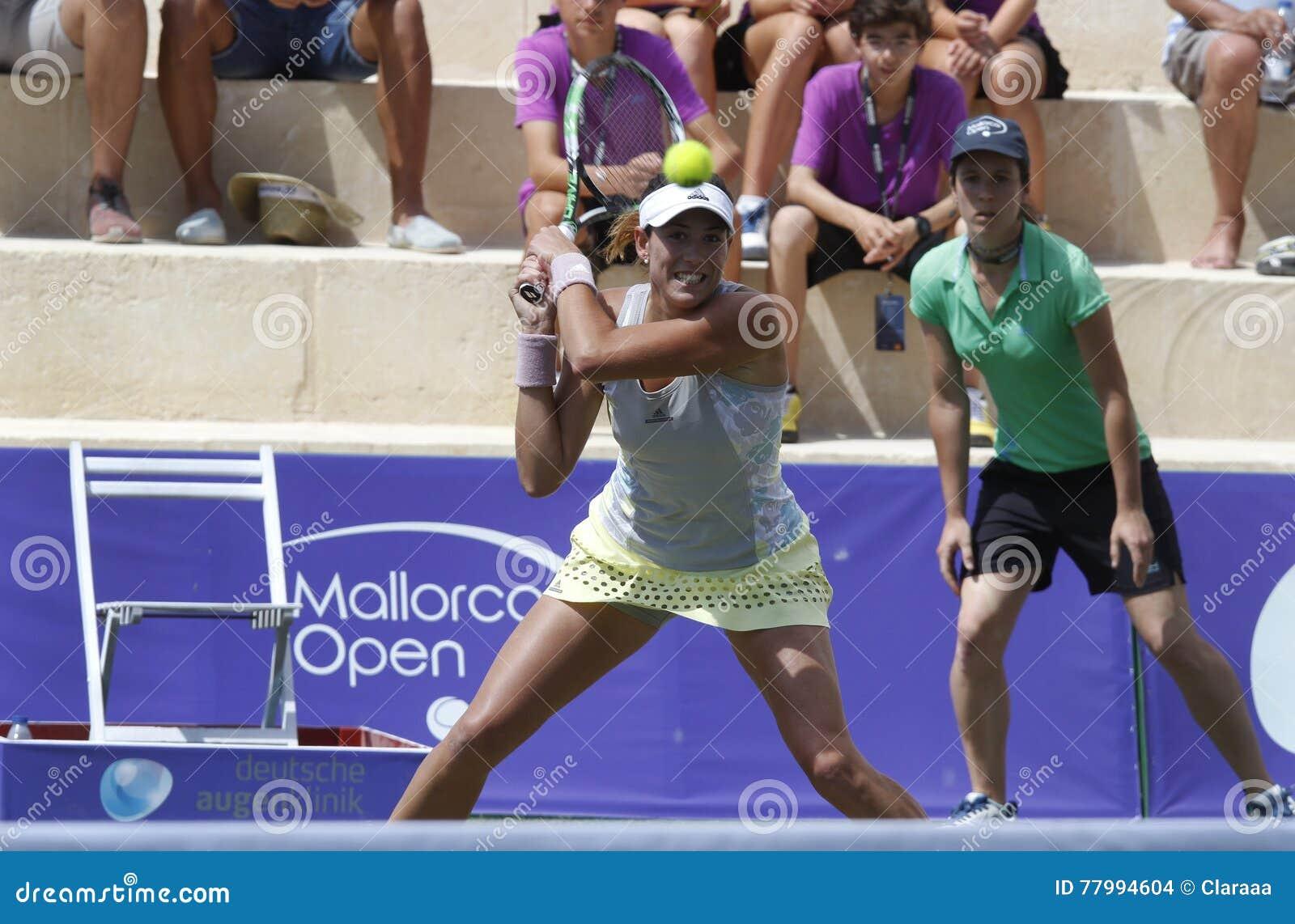 Joueur de tennis de dessus de Garbine Muguruza jouant en Majorque ouverte