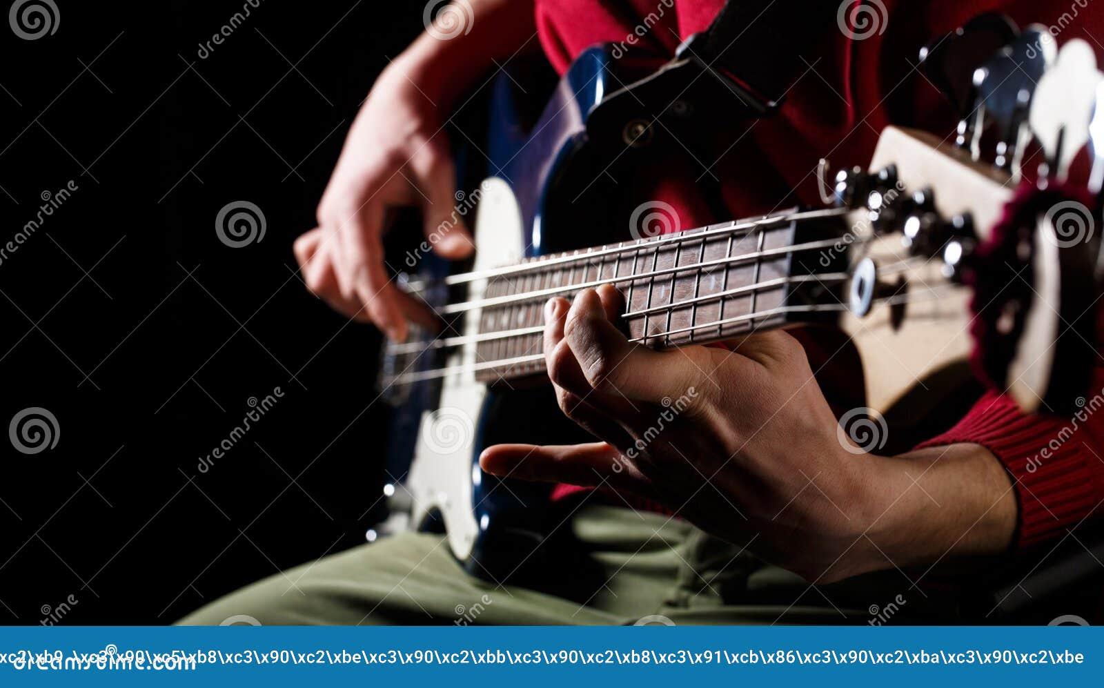 Jouez la guitare Fond de musique en direct Festival de musique Instrument sur l étape et la bande Concept de musique Guitare élec