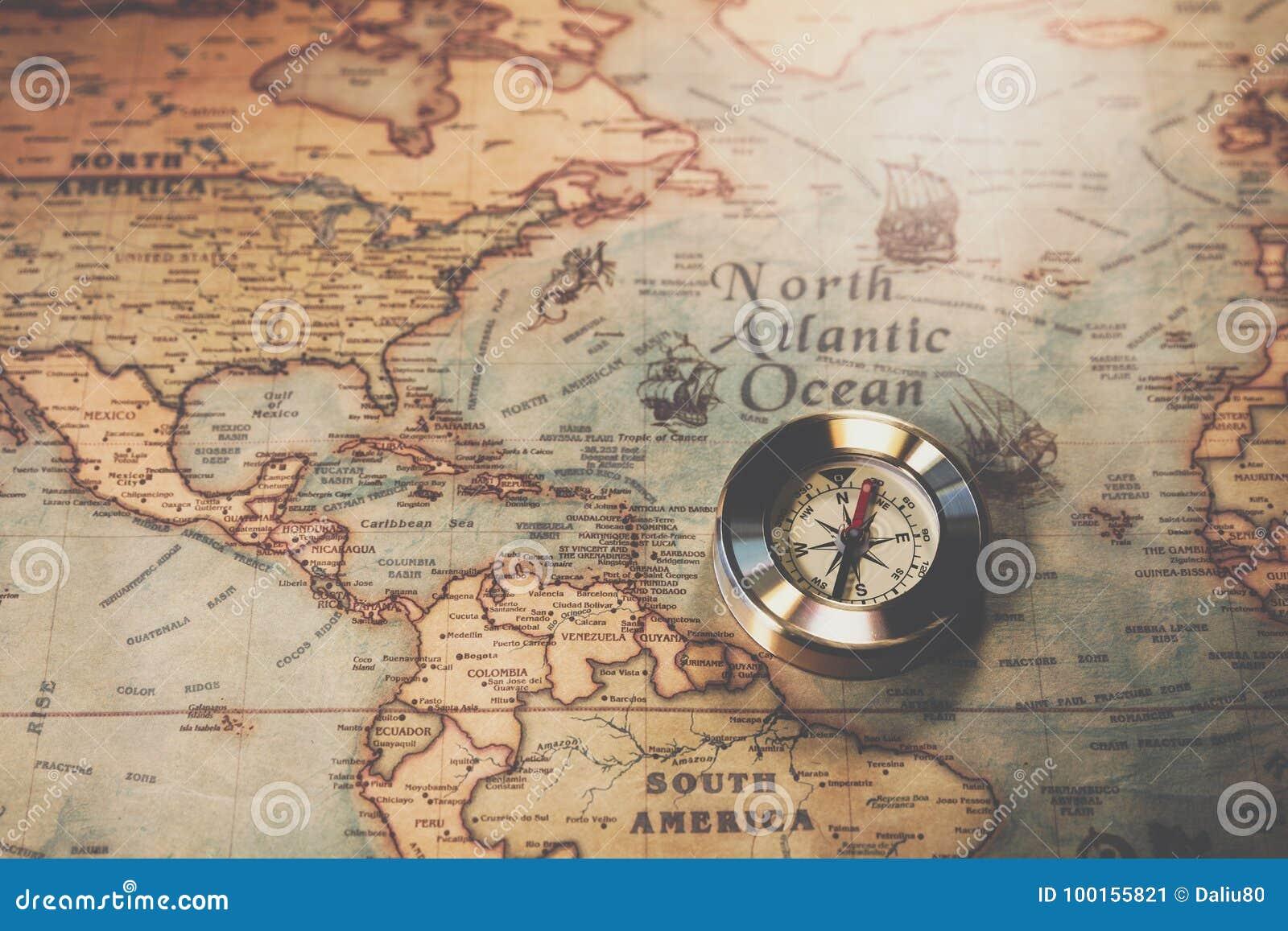 Jour De Columbus Et Carte Du Monde Avec La Boussole Image