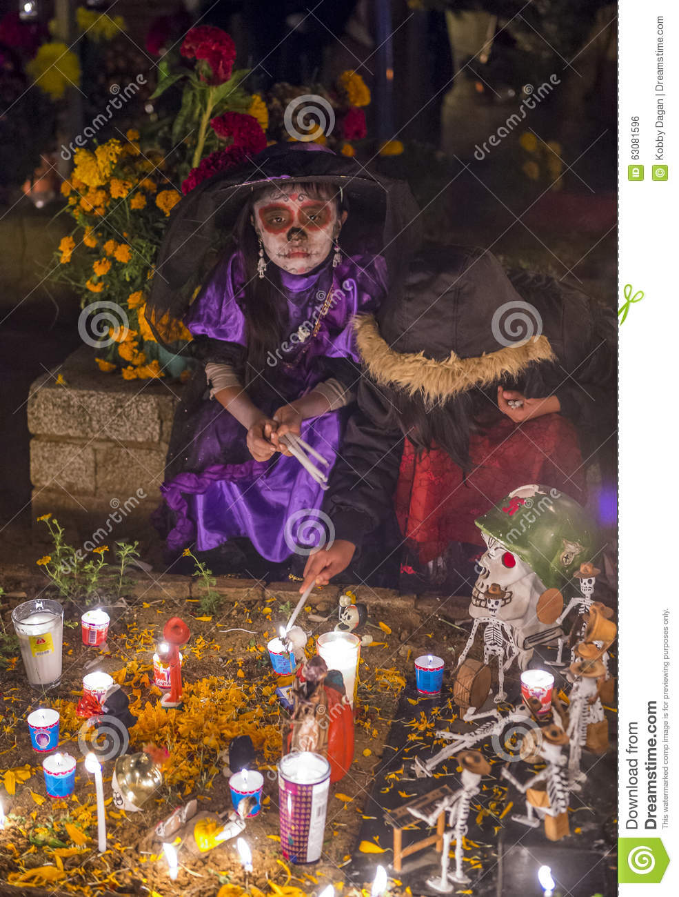 Download Jour des morts photo éditorial. Image du costume, mexico - 63081596