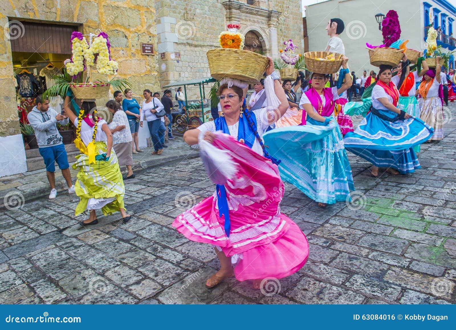 Download Jour des morts photo éditorial. Image du carnaval, fiesta - 63084016