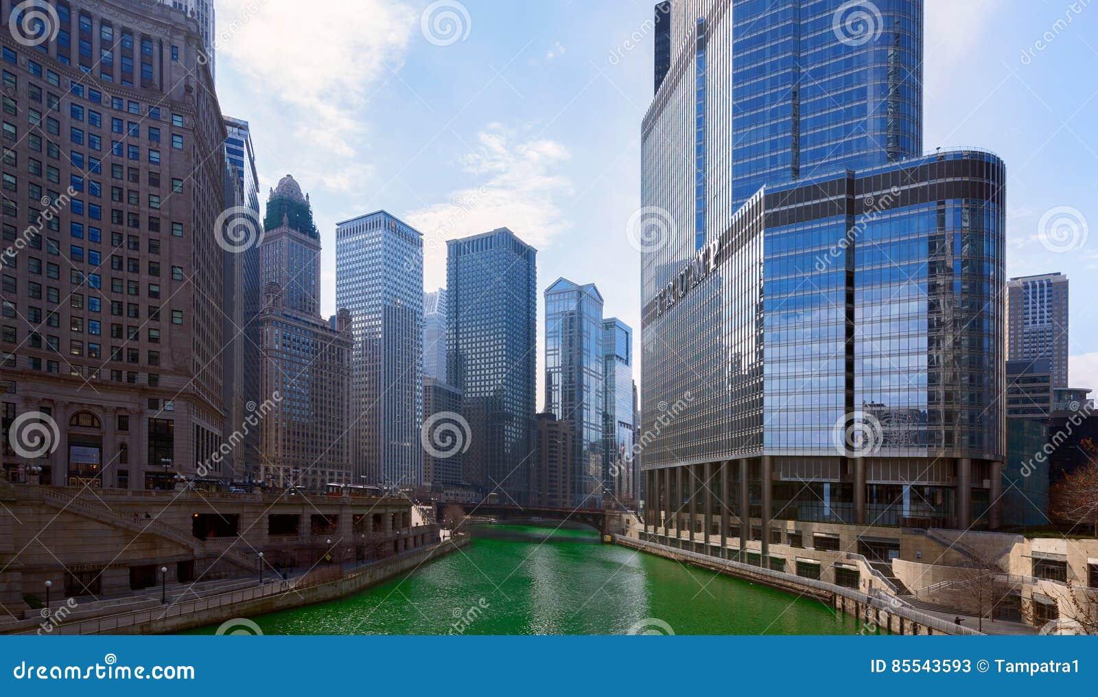 Jour du ` s de St Patrick dans la ville de Chicago, la rivière Green, l Illinois, Etats-Unis